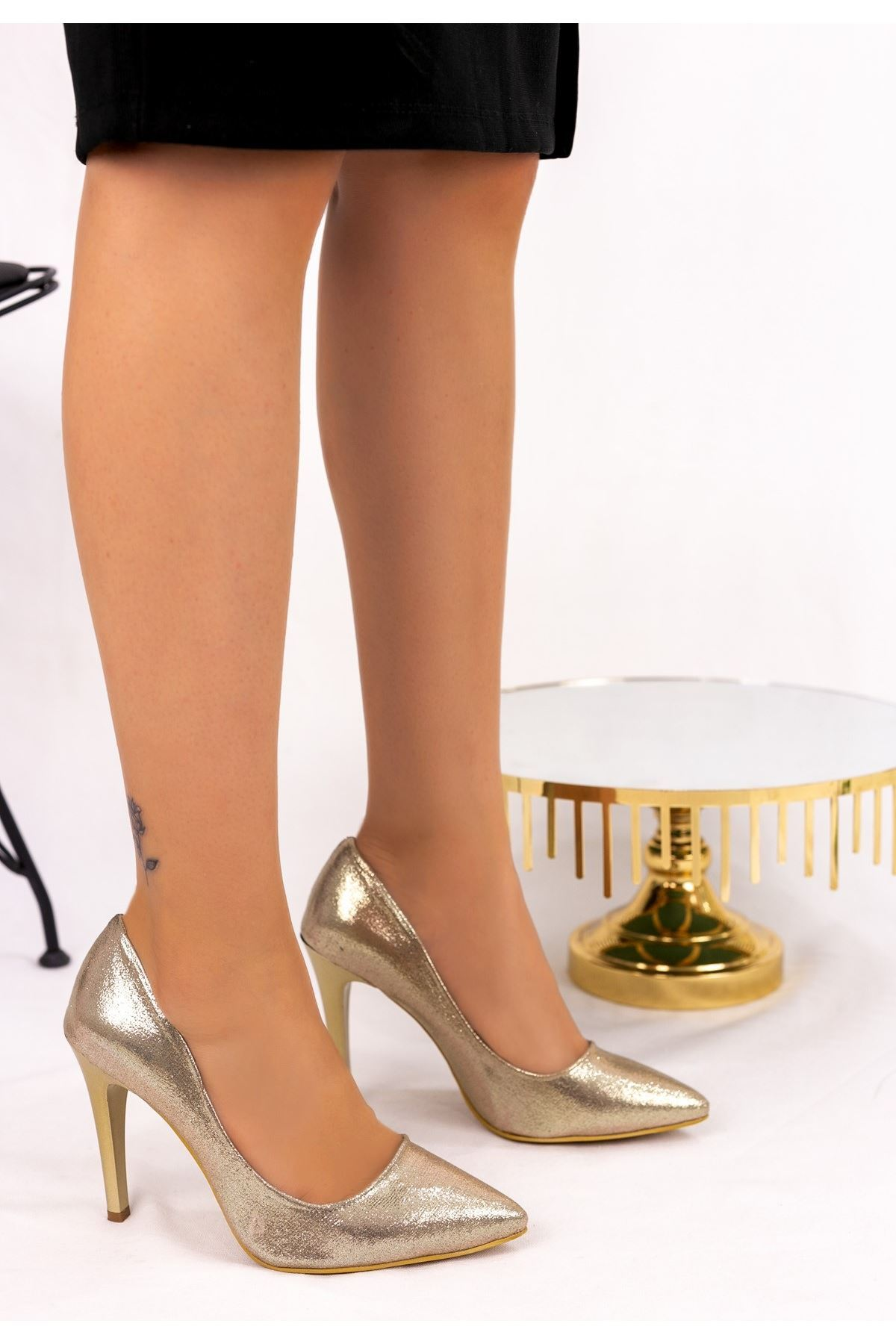 Taylox Altın Simli Stiletto Ayakkabı