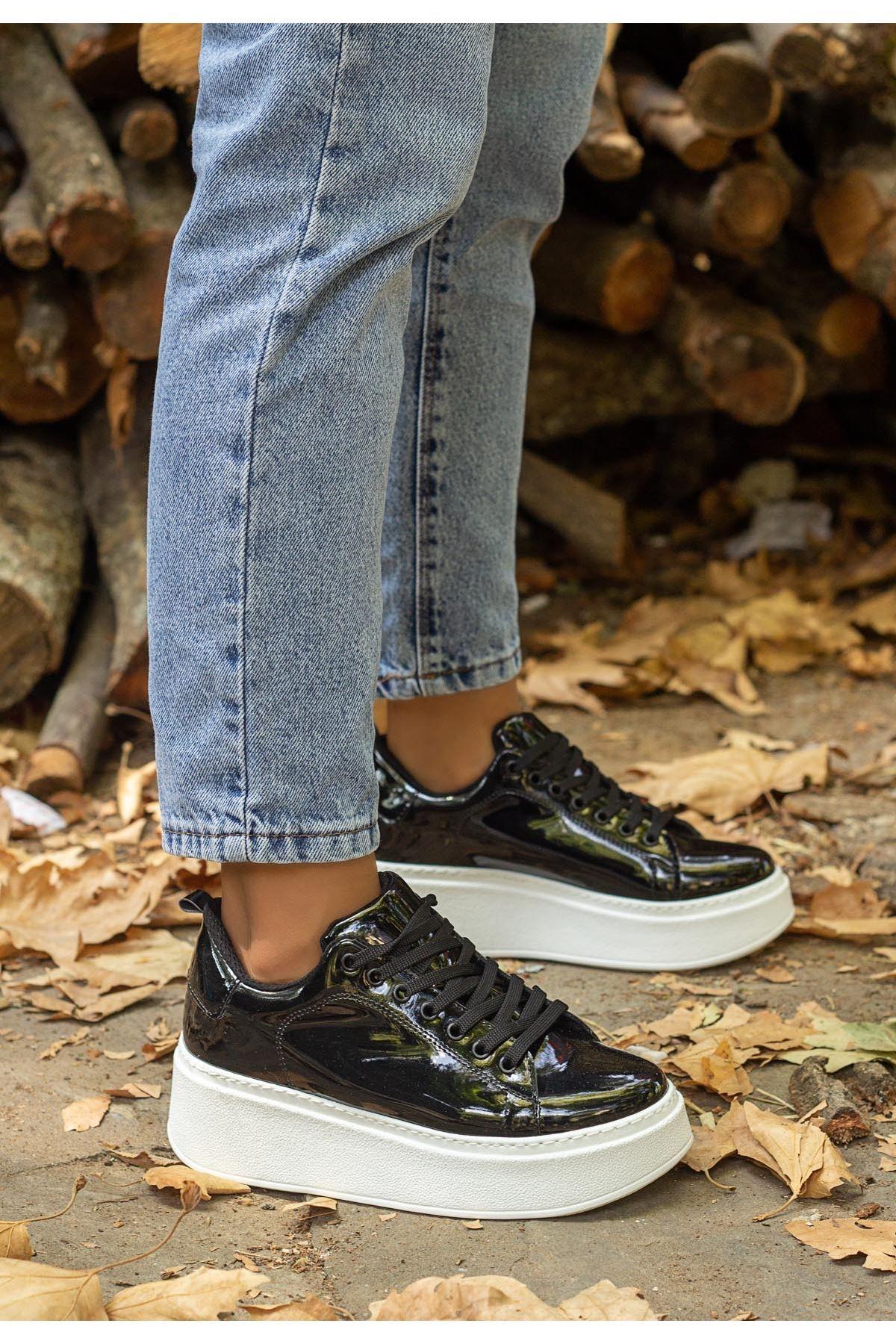 Cersy Siyah Rugan Beyaz Tabanlı Spor Ayakkabı