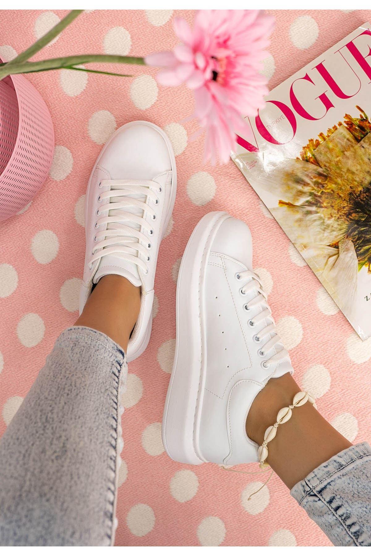 Neomix Beyaz Cilt Spor Ayakkabı