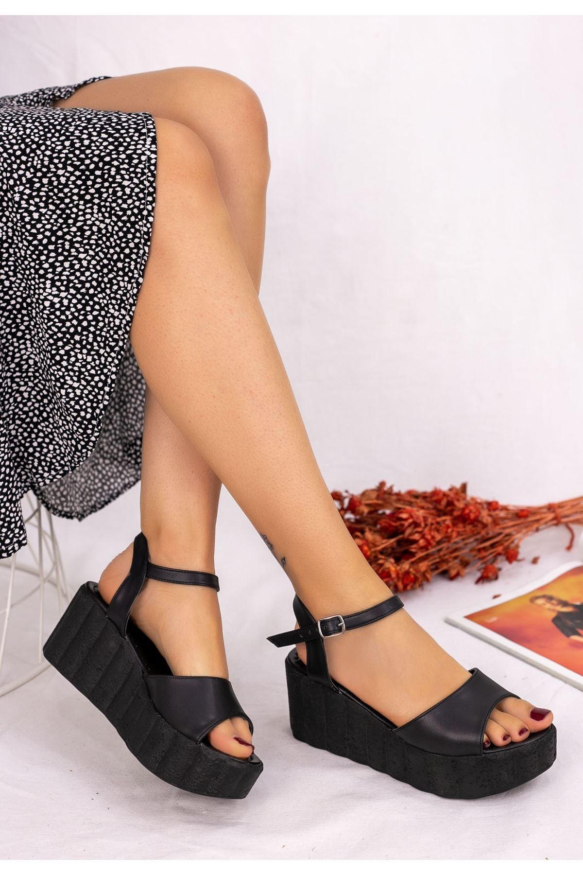 Madix Siyah Cilt Siyah Dolgu Topuk Sandalet