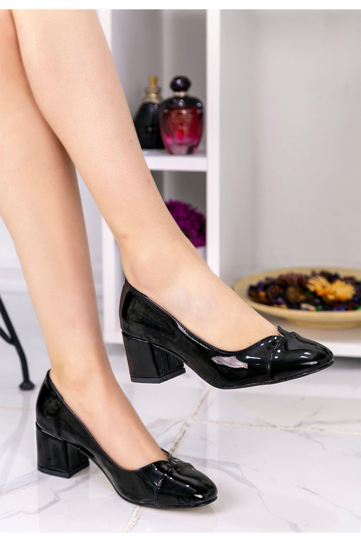 Shana Siyah Rugan Topuklu Ayakkabı