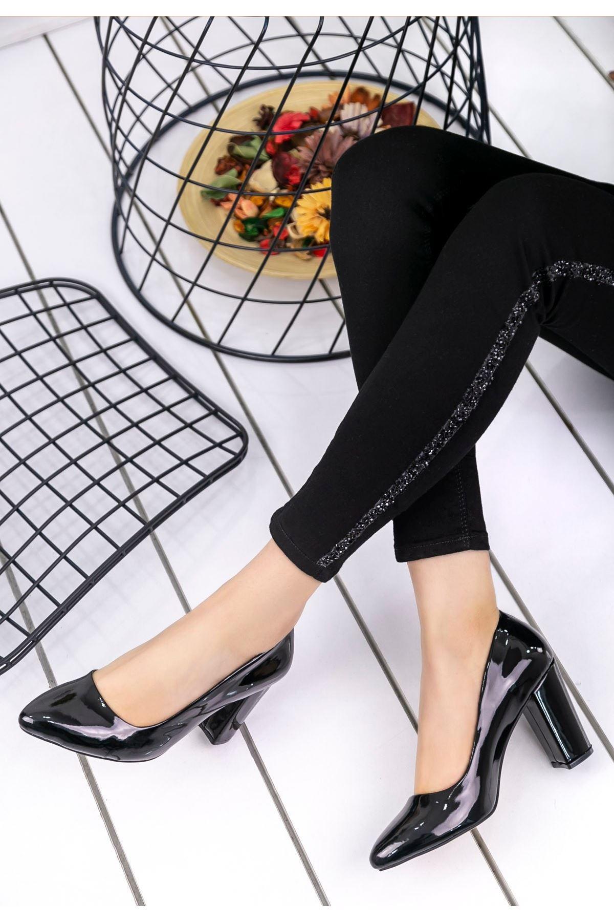 Lacey Siyah Rugan Topuklu Ayakkabı