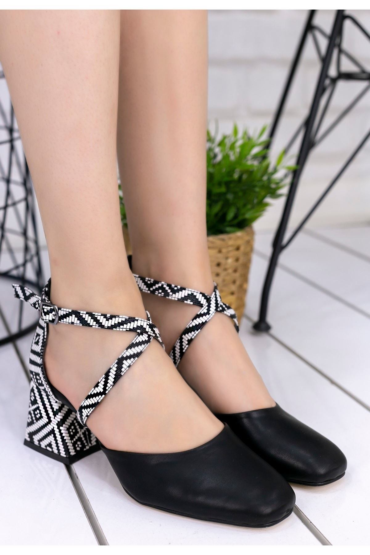 Londa Siyah Cilt Kilim Detaylı Ayakkabı