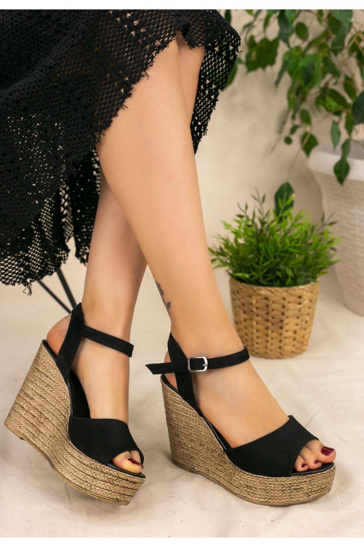 Loya Siyah Süet Dolgu Topuk Sandalet