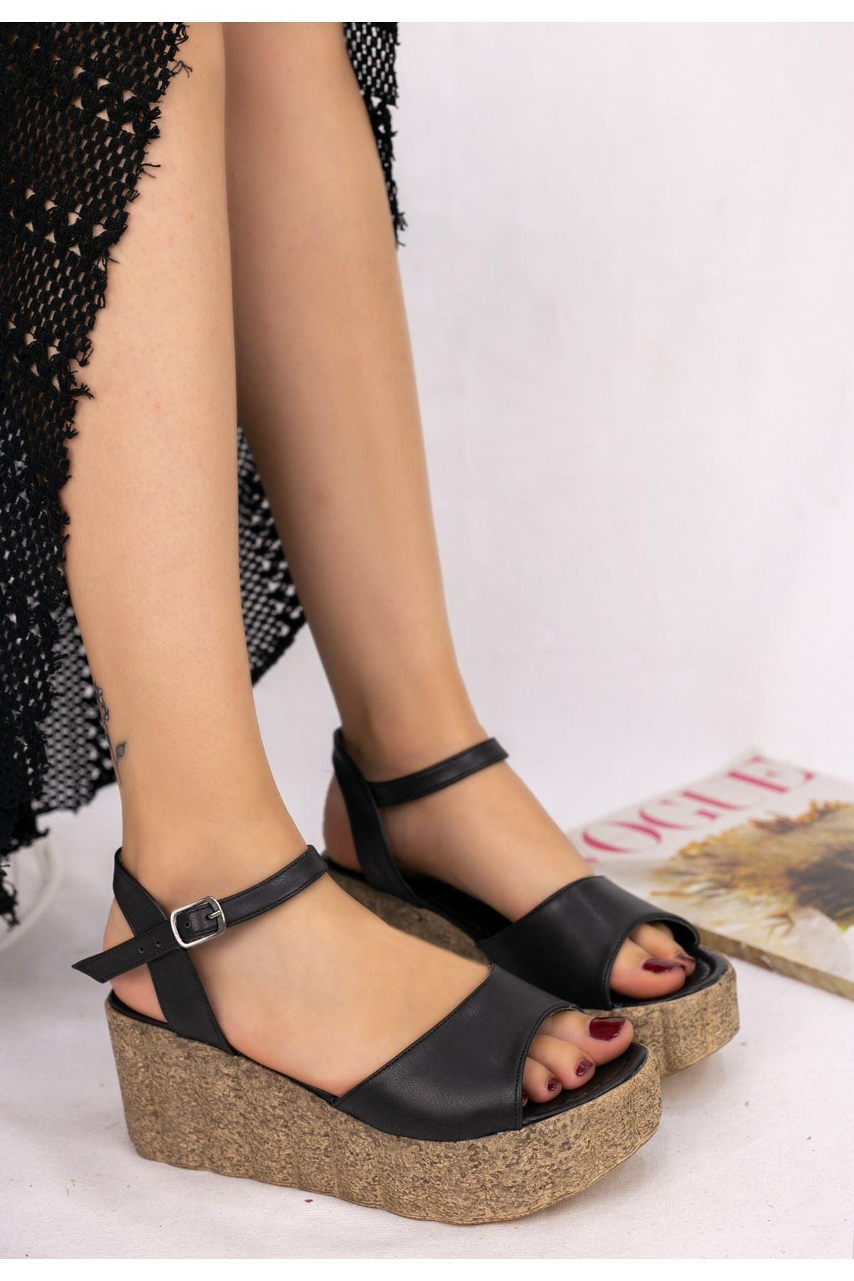 Madix Siyah Cilt Dolgu Topuk Sandalet