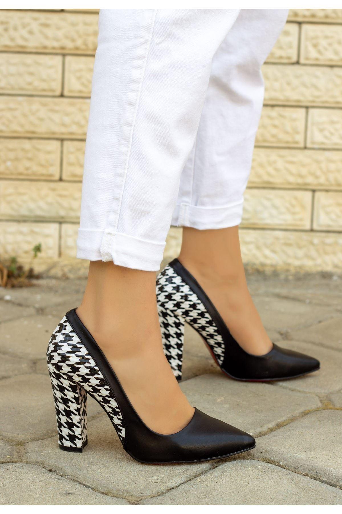 Vart Siyah Cilt Kaz Ayağı Topuklu Ayakkabı