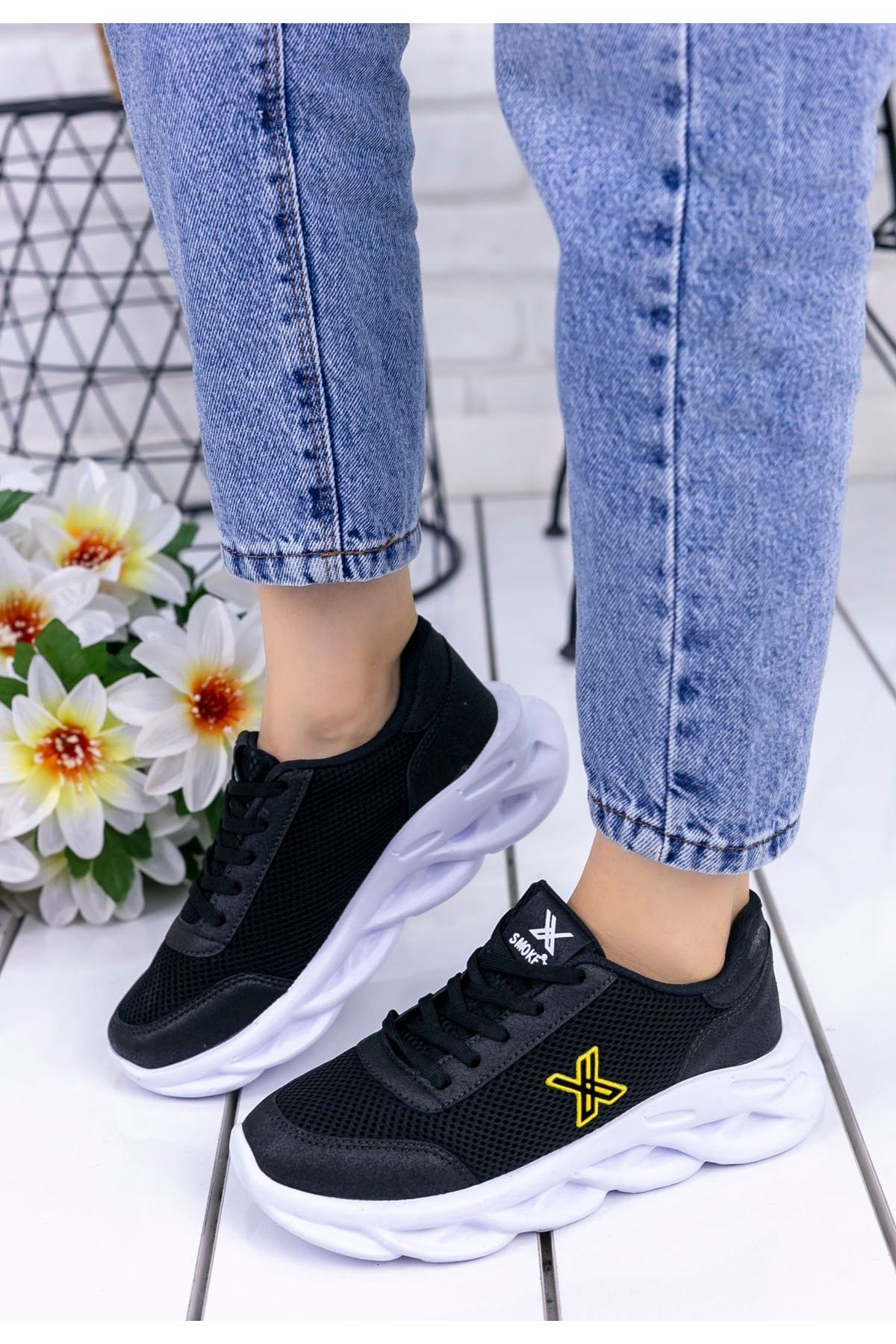Parmi Siyah Cilt Sarı Detaylı Spor Ayakkabı