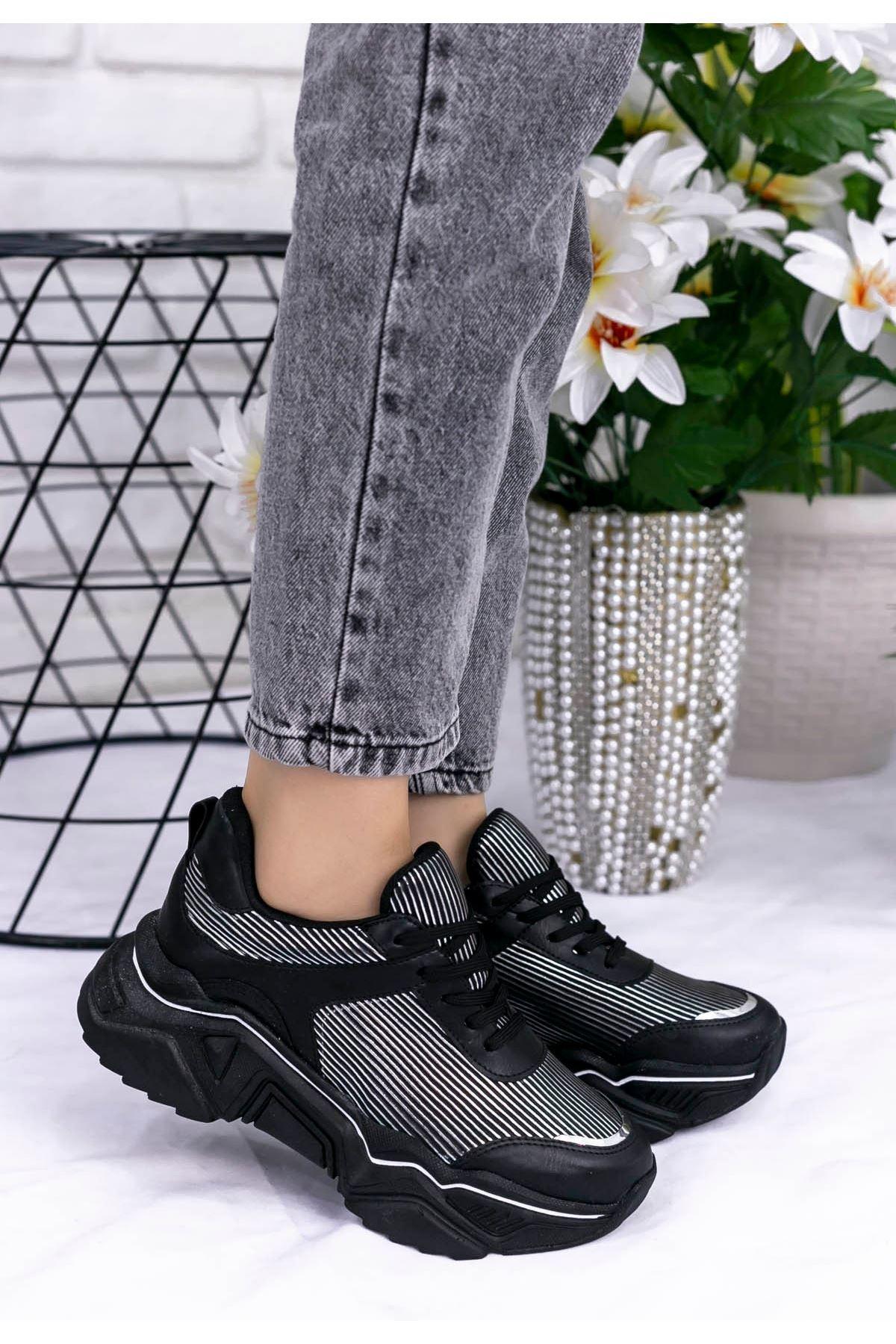 Vira  Siyah Cilt Yaldız Çizgili Spor Ayakkabı