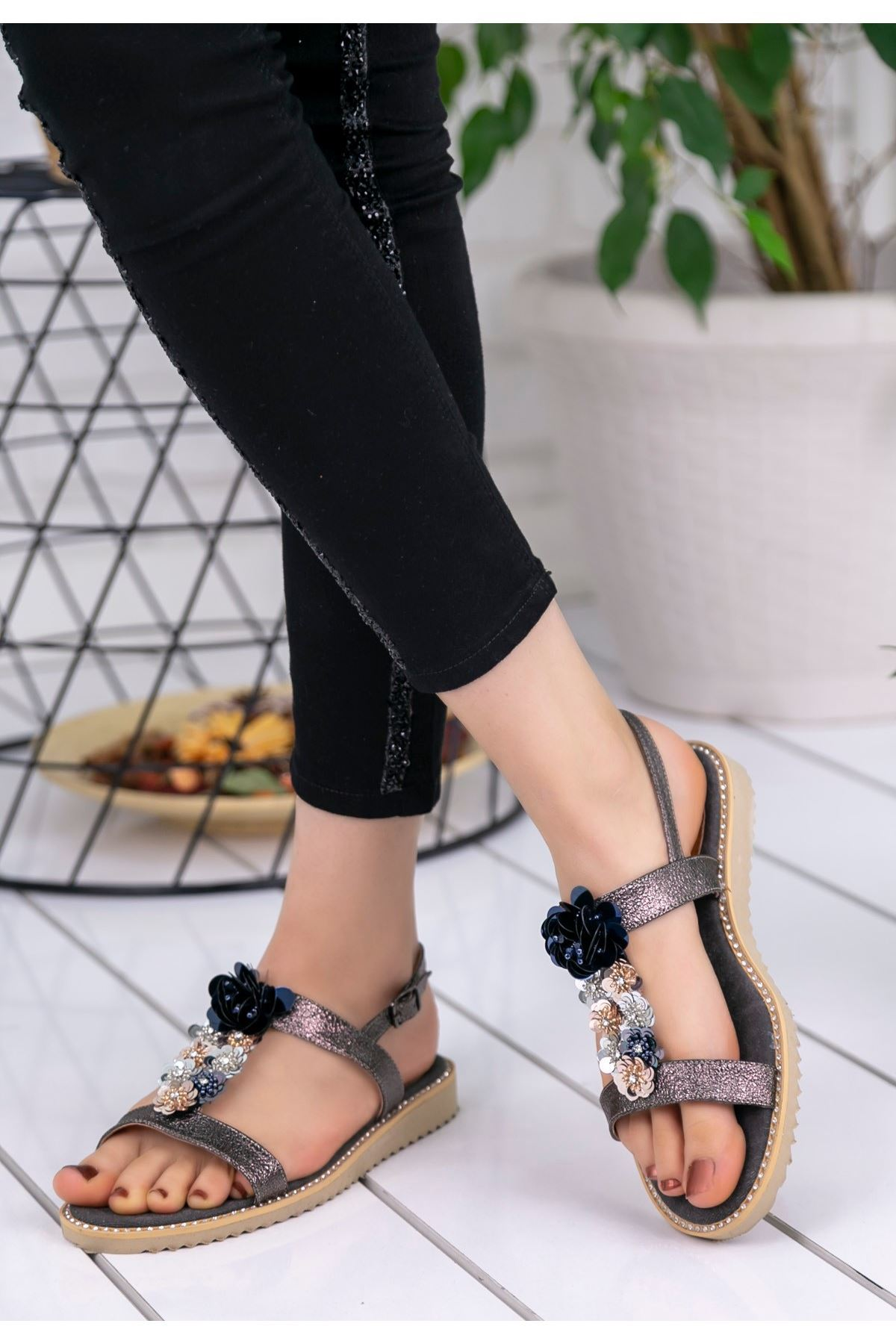 Mila Bakır Cilt Desenli Sandalet