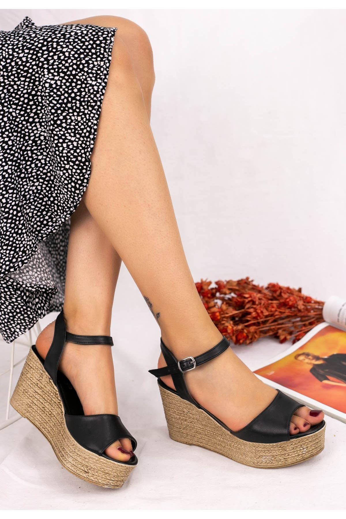 Olivie Siyah Cilt Dolgu Topuk Sandalet