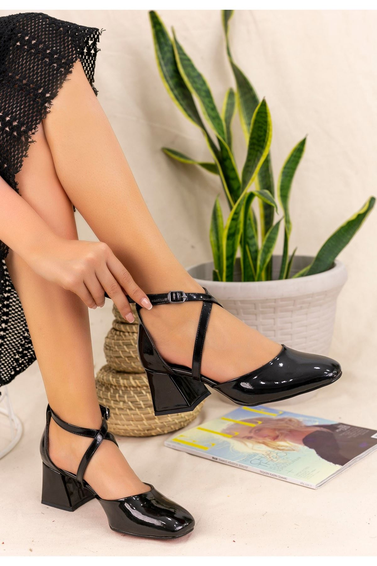 Londa Siyah Rugan Topuklu Ayakkabı