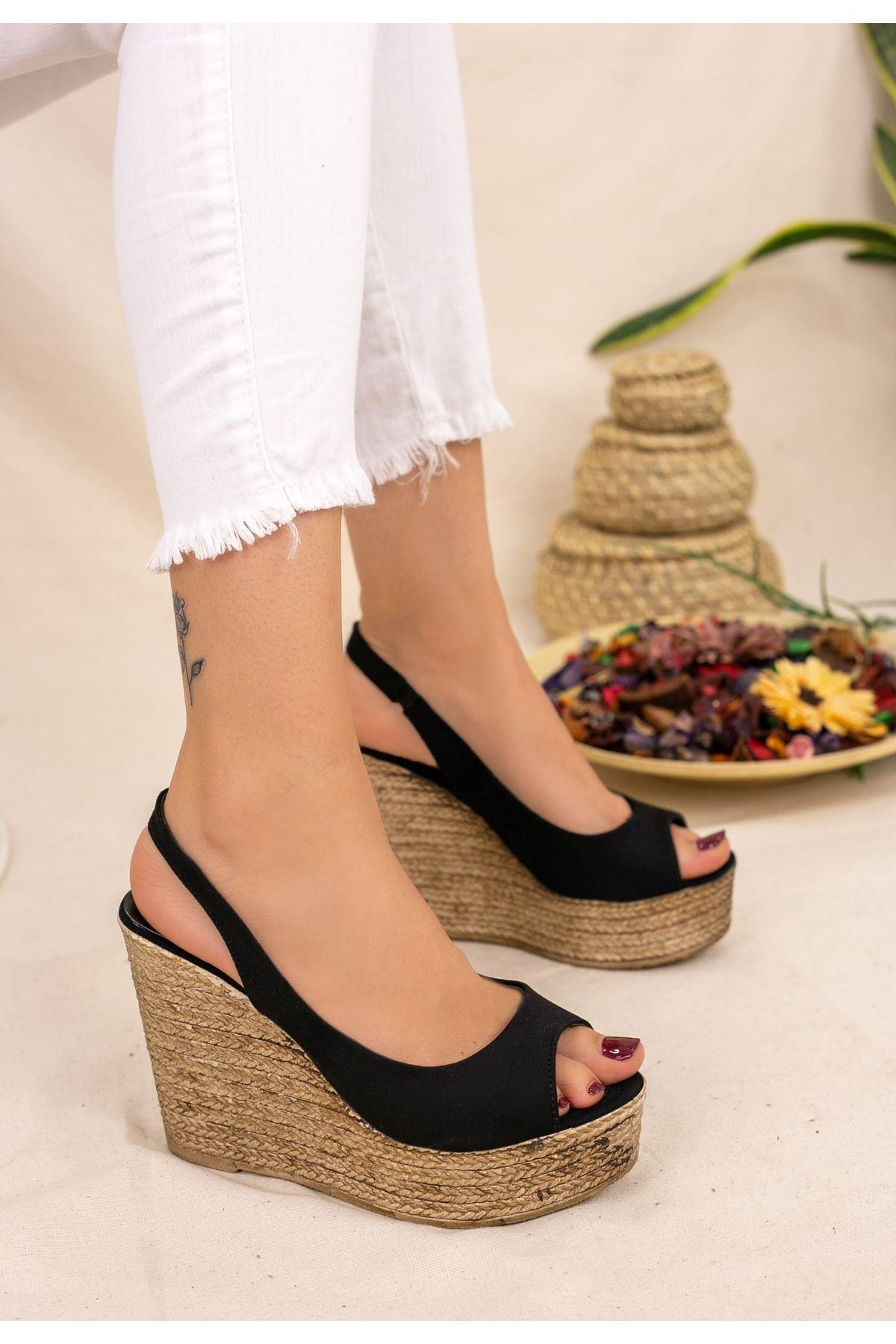 Sary Siyah Süet Dolgu Topuk Sandalet