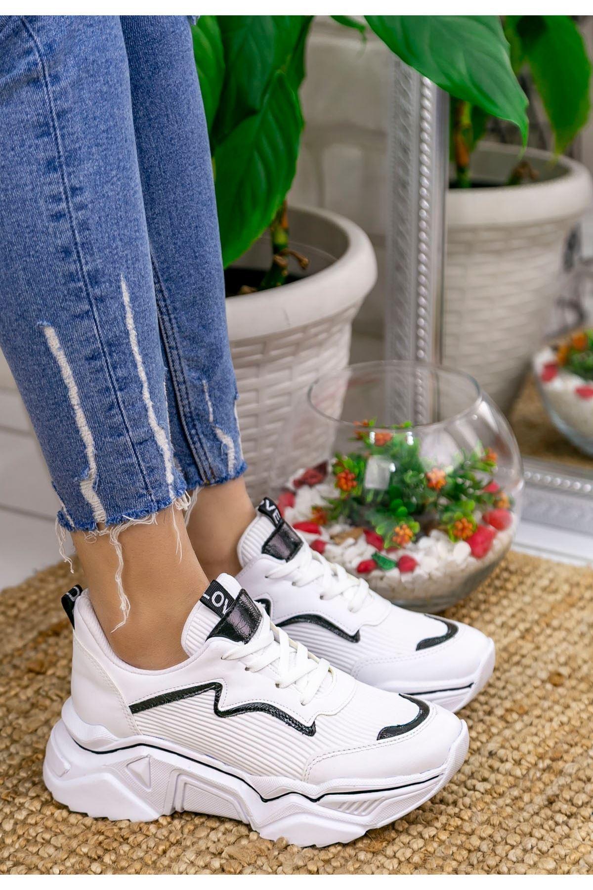 Vira Beyaz Cilt Siyah Cilt Detaylı Spor Ayakkabı