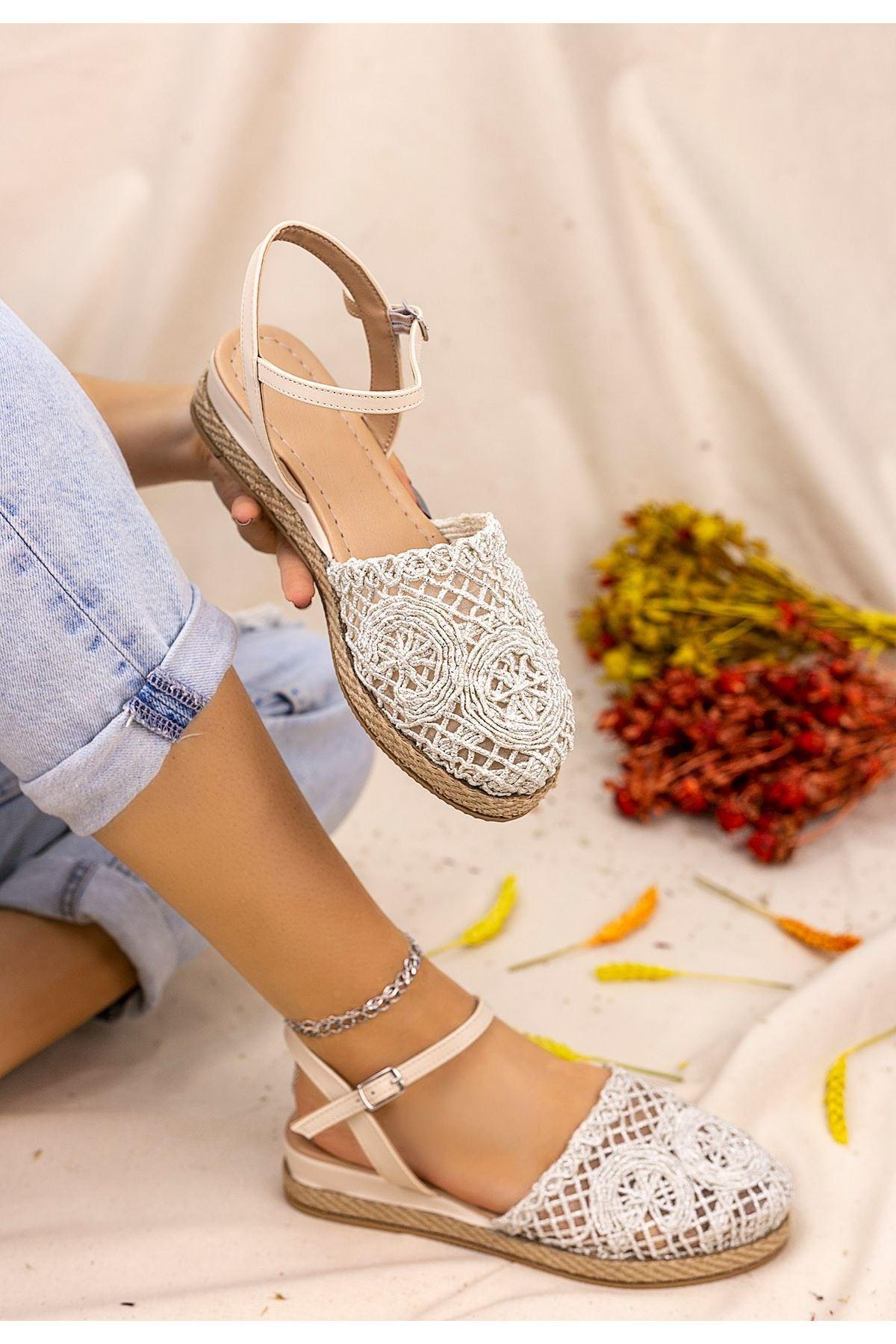 Nyal Gümüş Örgülü Sandalet