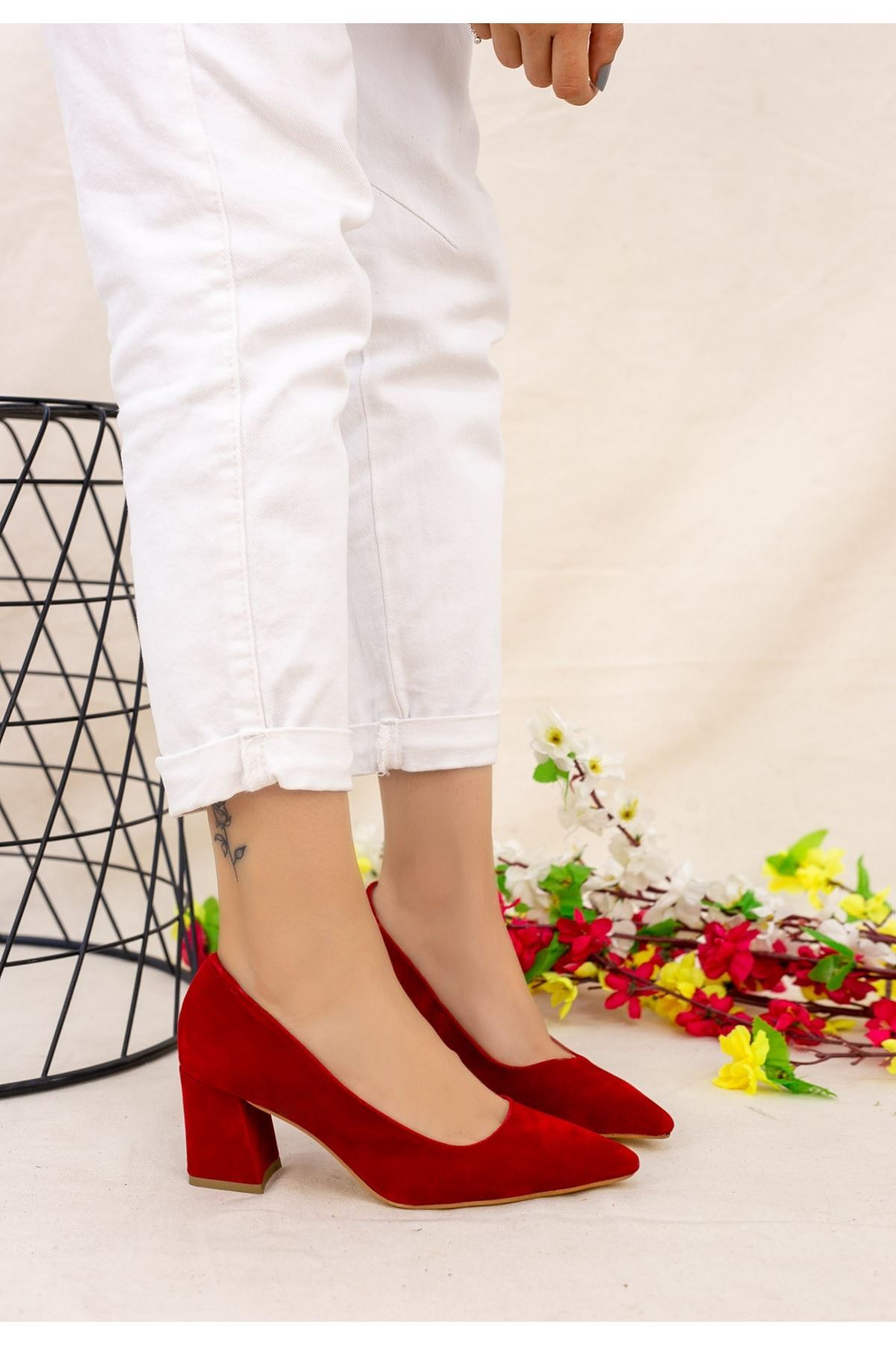 Manina Kırmızı Süet Topuklu Ayakkabı