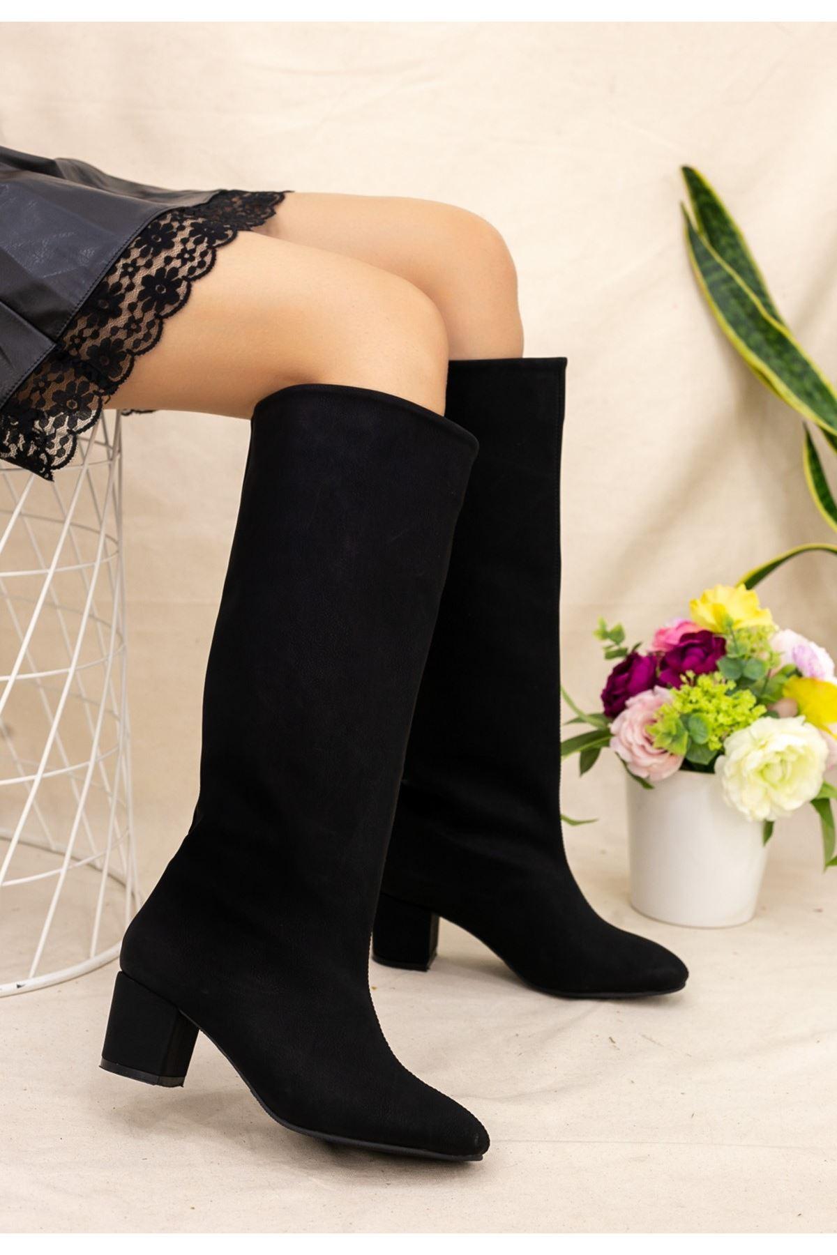 Tayaxi Siyah Nubuk Çizme