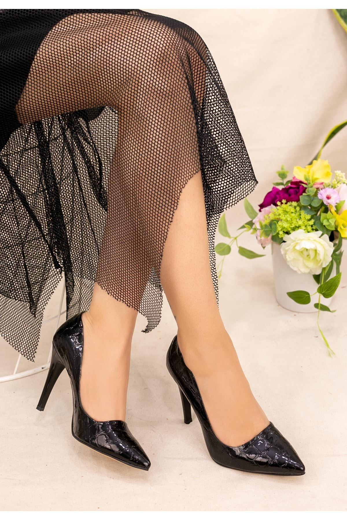 Taylox Siyah Rugan Desenli Stiletto Ayakkabı