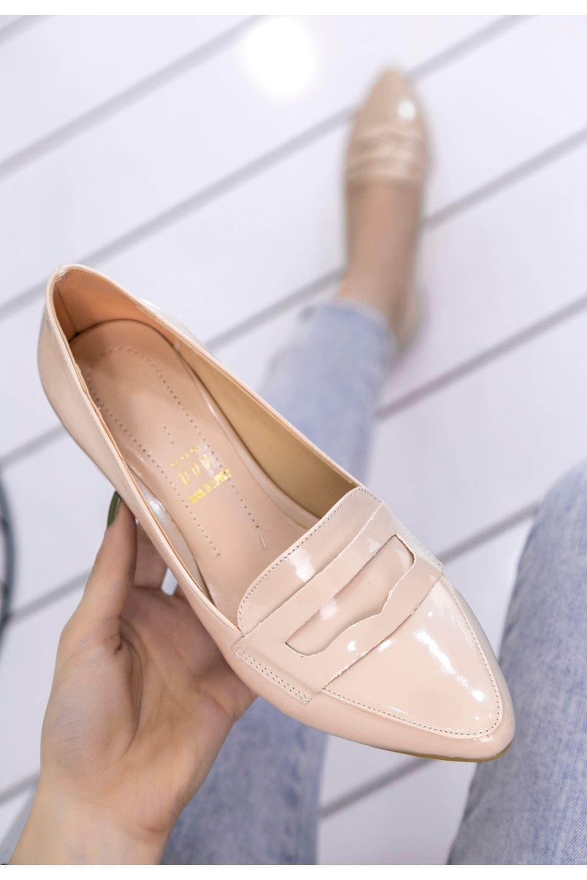 Reyna Krem Rugan Topuklu Ayakkabı