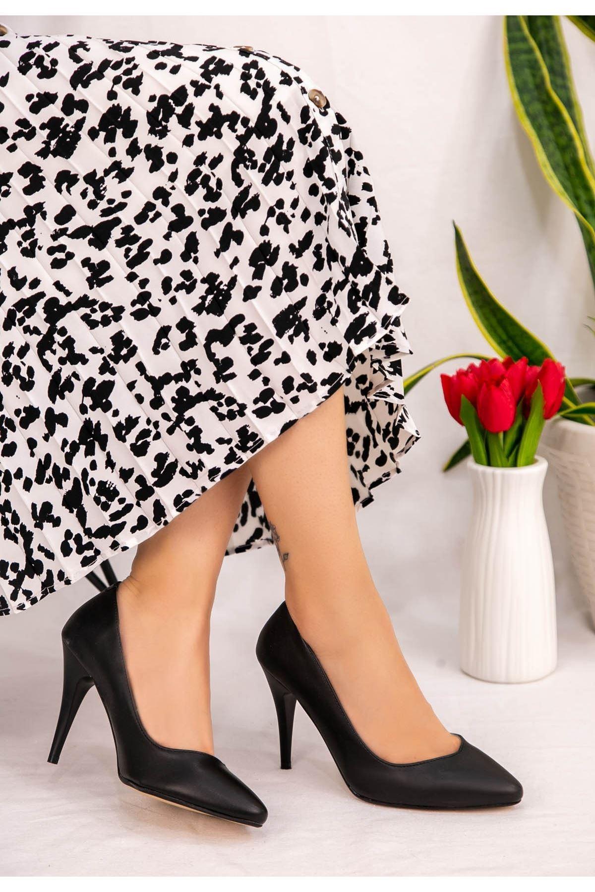 Noxi Siyah Cilt Stiletto Ayakkabı