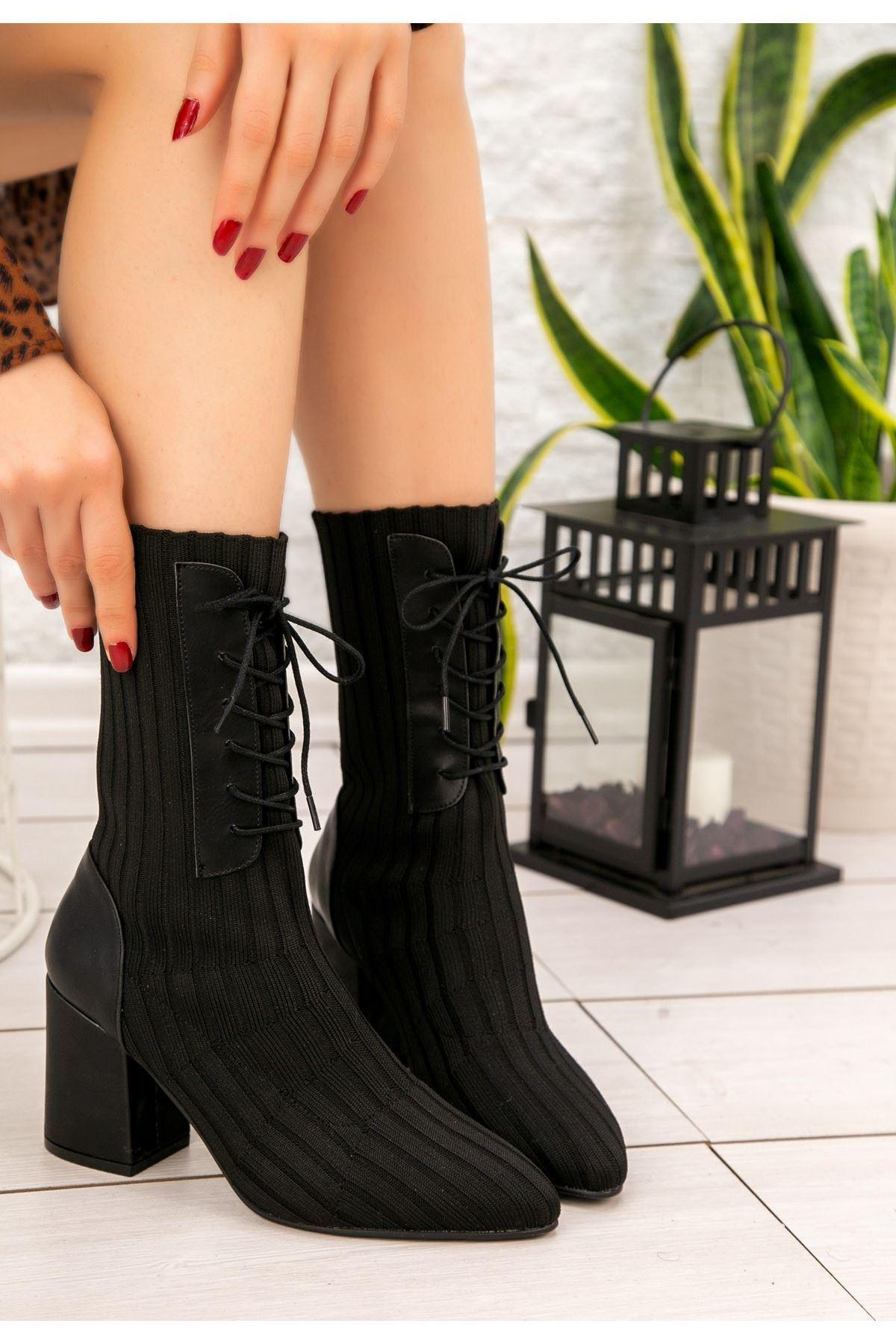 Roly Siyah Çorap Bot