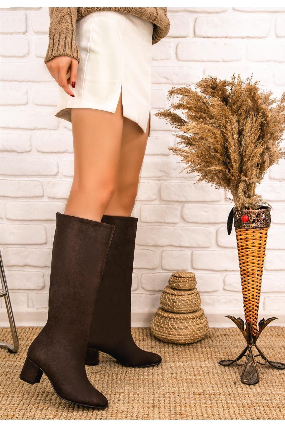 Tayaxi Kahverengi Cilt Çizme