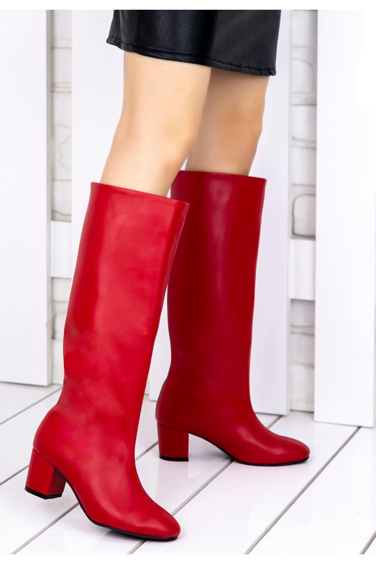 Tayaxi Kırmızı Cilt Çizme