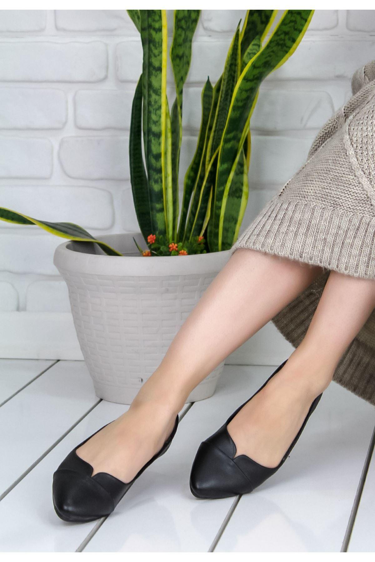 Silvestra Siyah Babet Ayakkabı