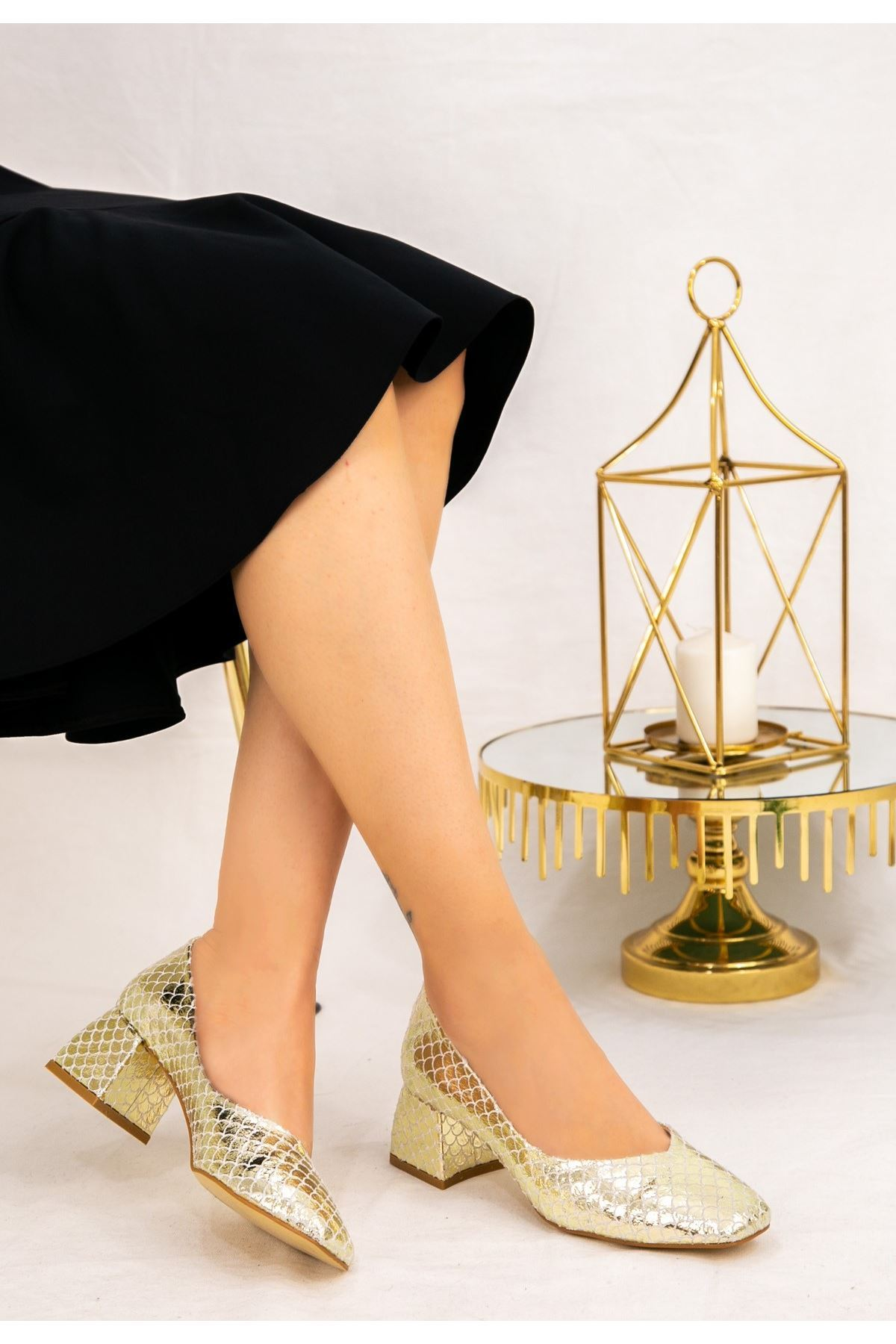 Modi Gold Desenli Topuklu Ayakkabı