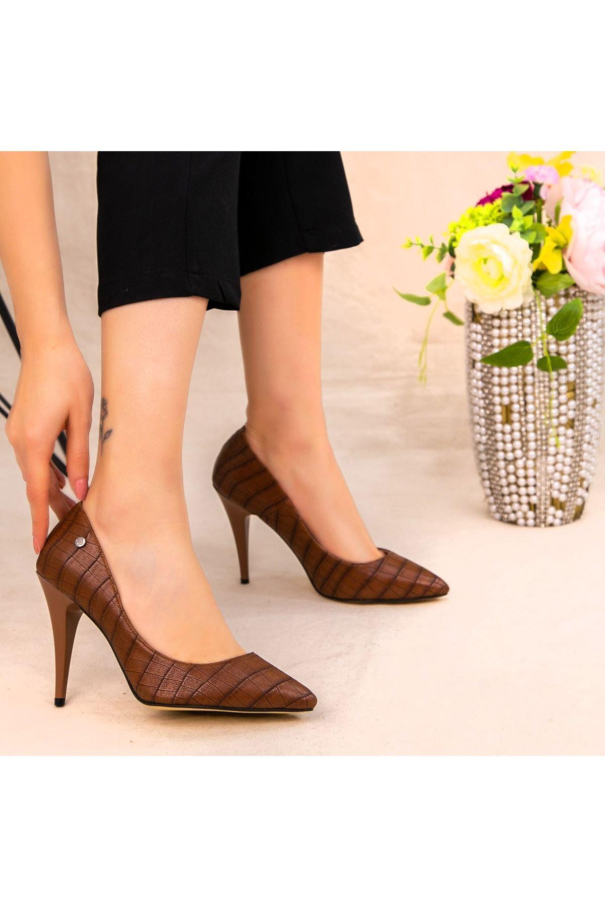 Revaxi Taba Cilt Desenli Stiletto Ayakkabı