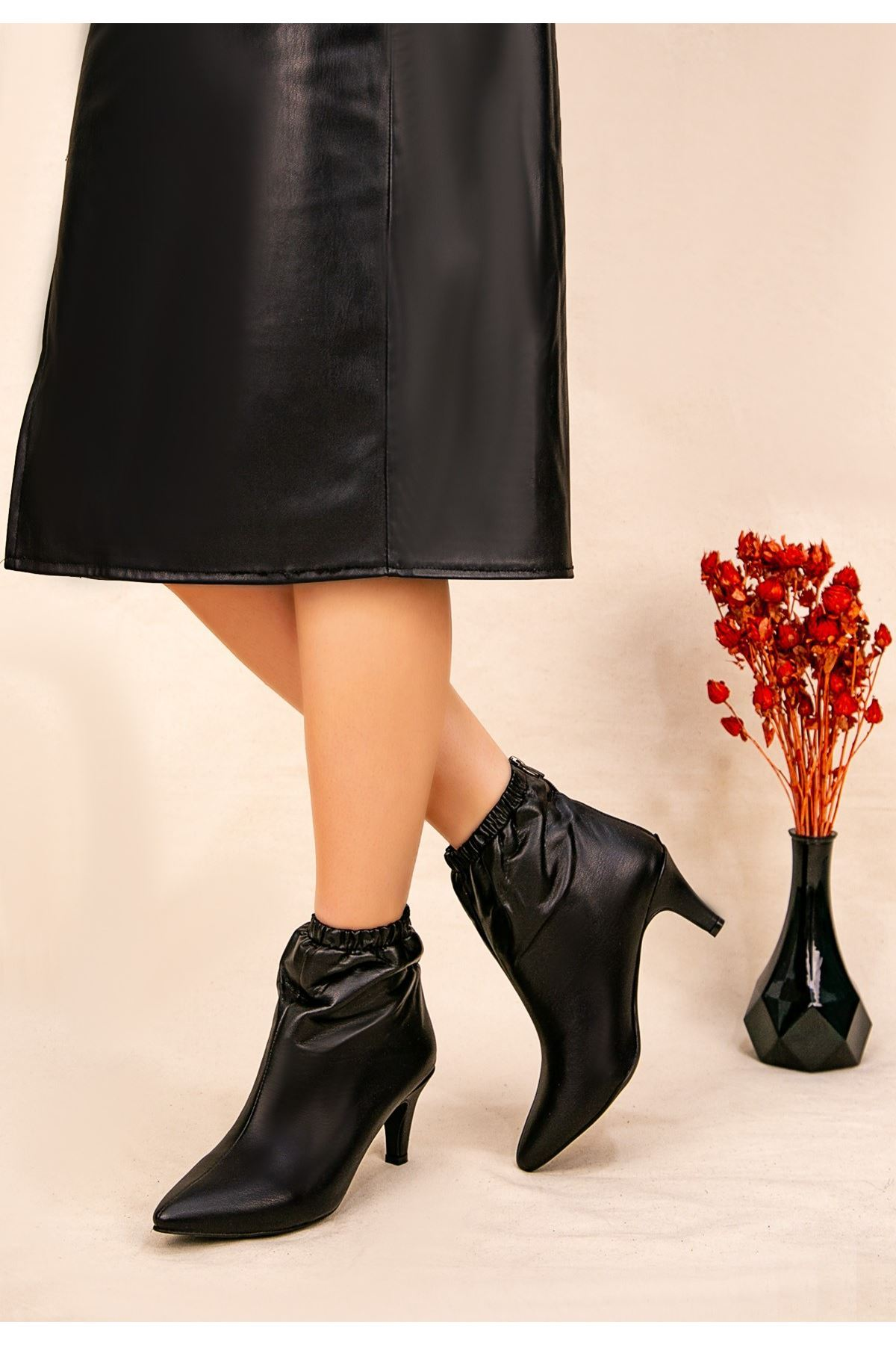 Ava Siyah Cilt Topuklu Bot