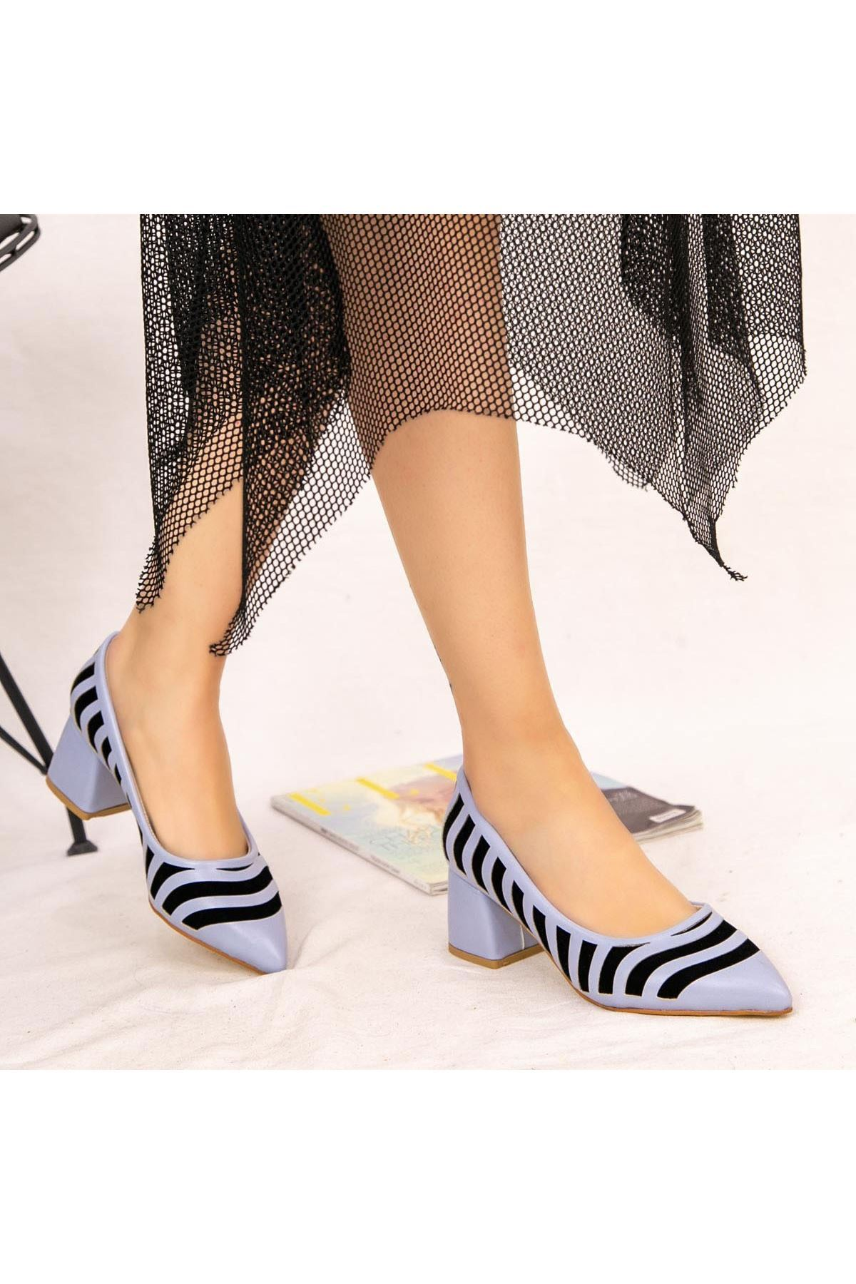 Guld Bebe Mavisi Cilt Siyah Detaylı Ayakkabı