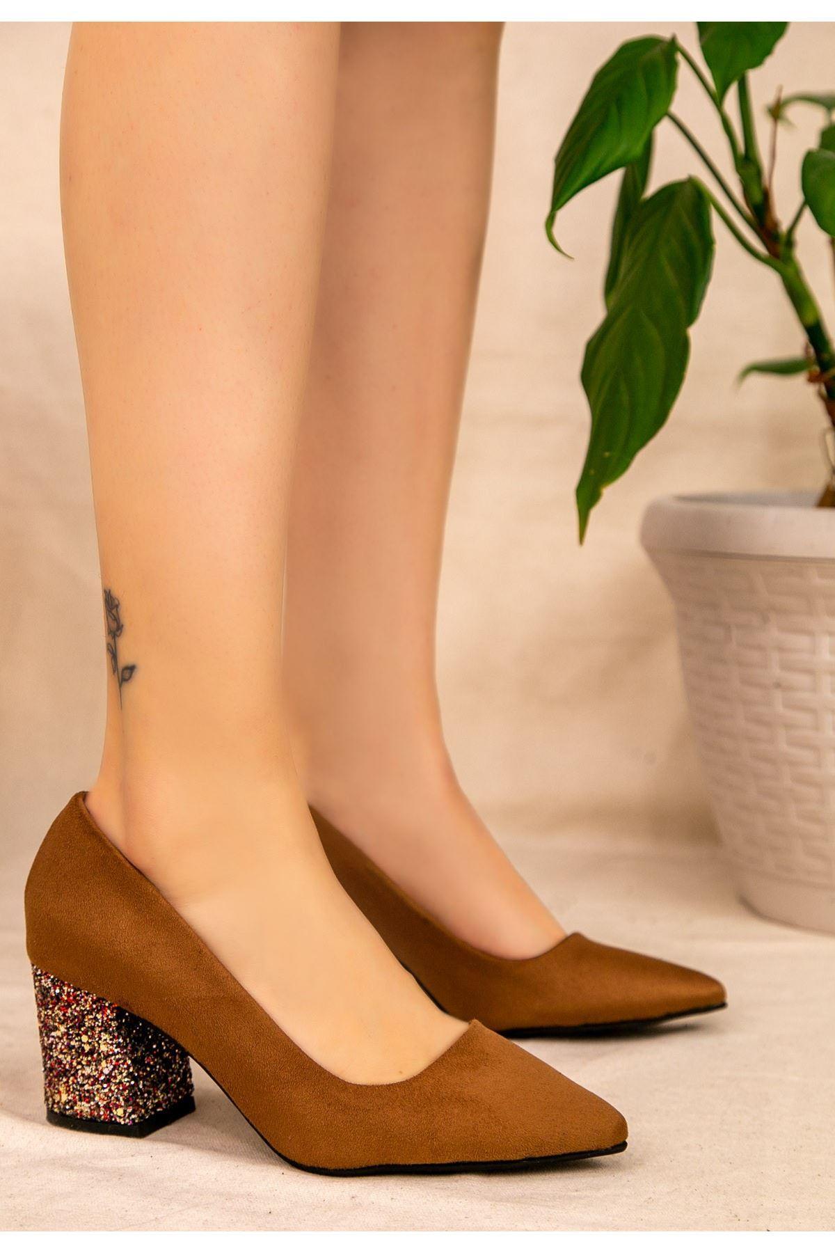 Dilla Taba Süet Kırmızı Simli Topuklu Ayakkabı