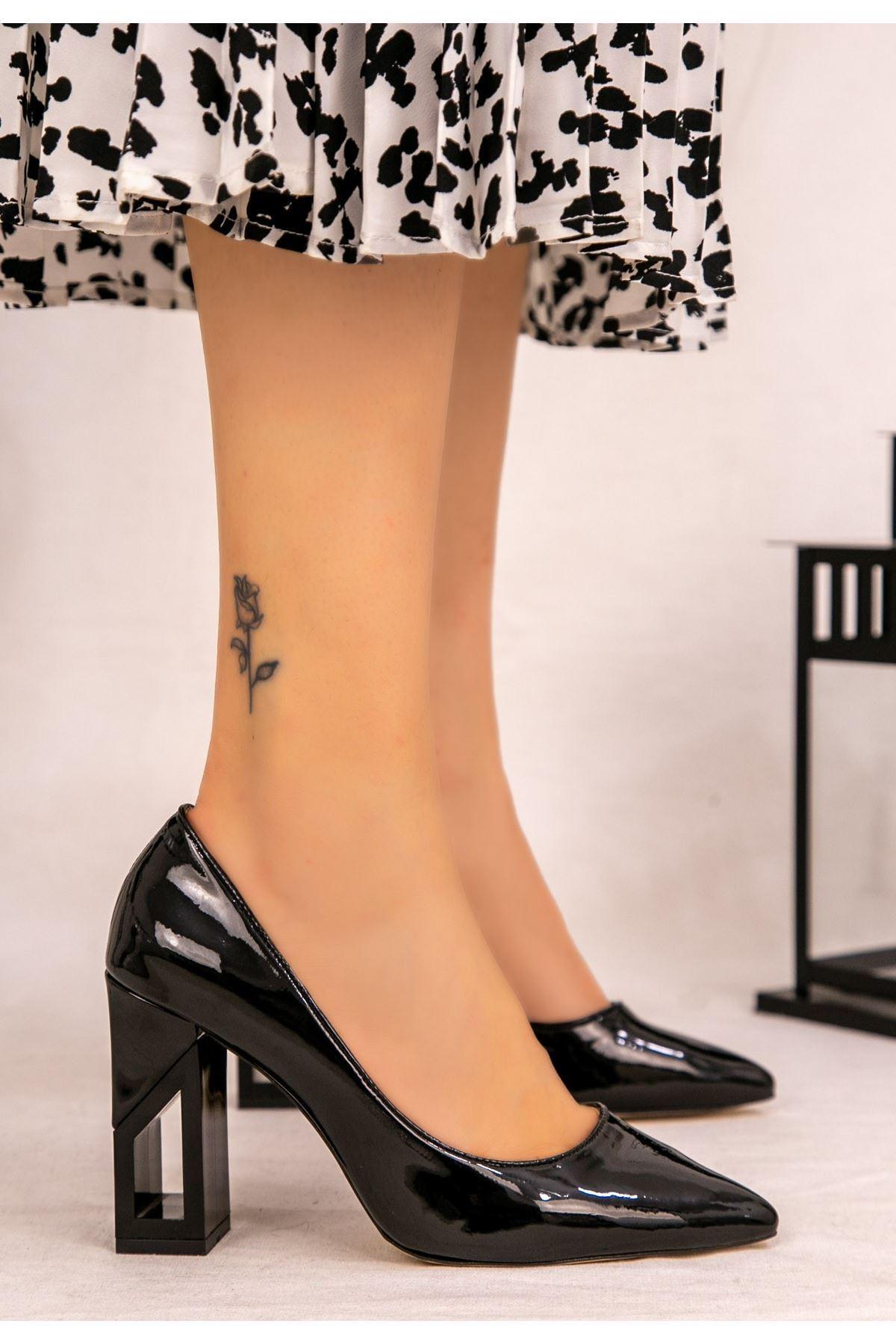 Calex Siyah Rugan Topuklu Ayakkabı