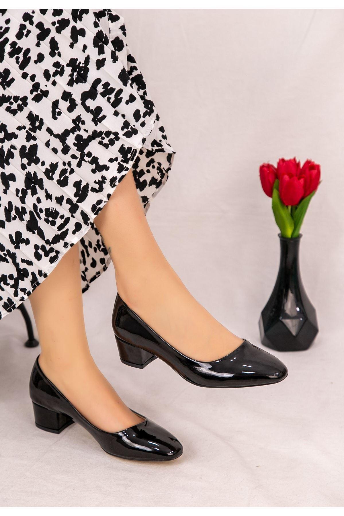 Fior Siyah Rugan Topuklu Ayakkabı