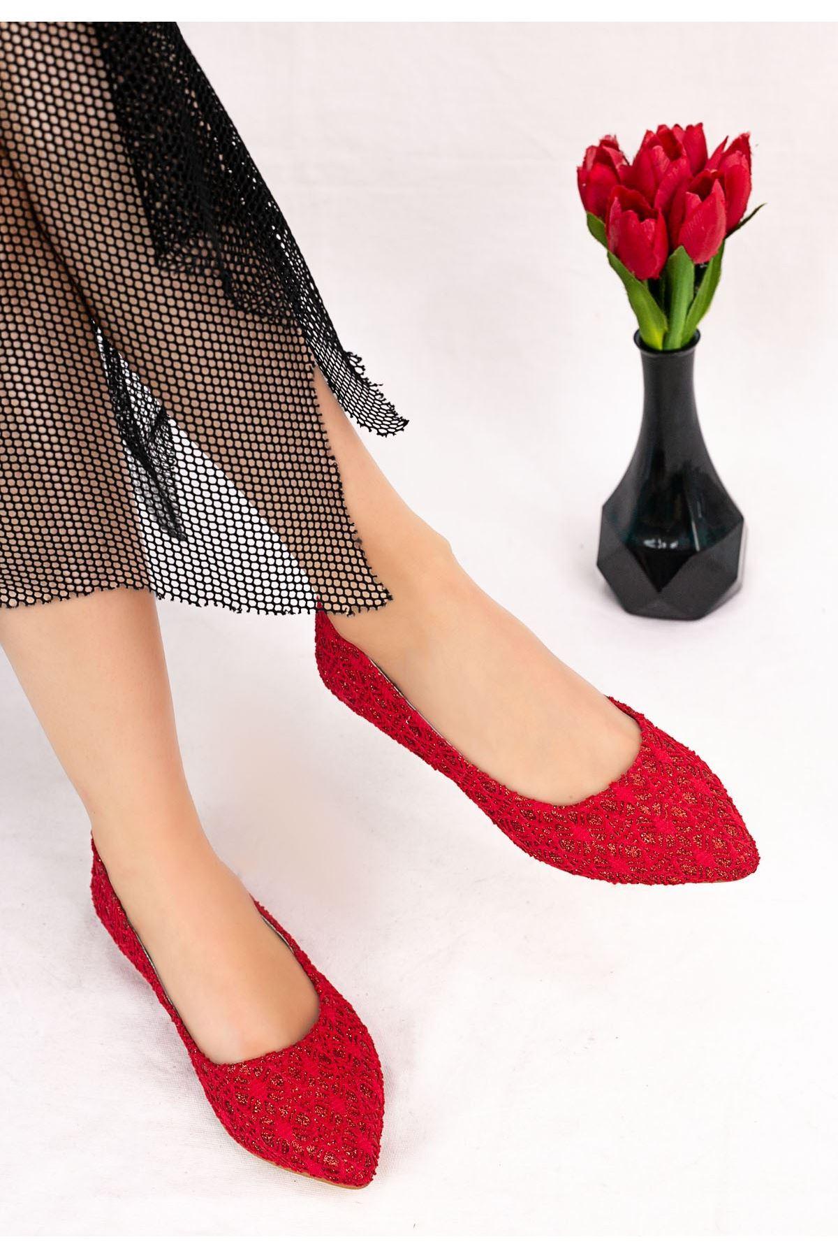 Vidi Kırmızı İşlemeli Babet Ayakkabı