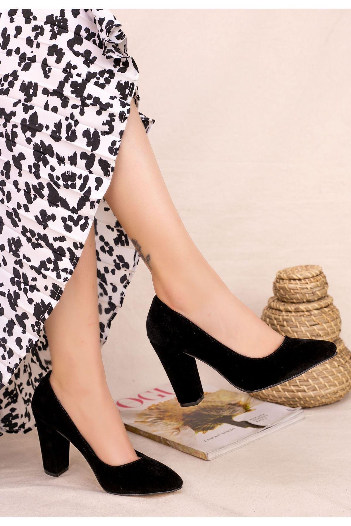 Edri Siyah Süet Topuklu Ayakkabı