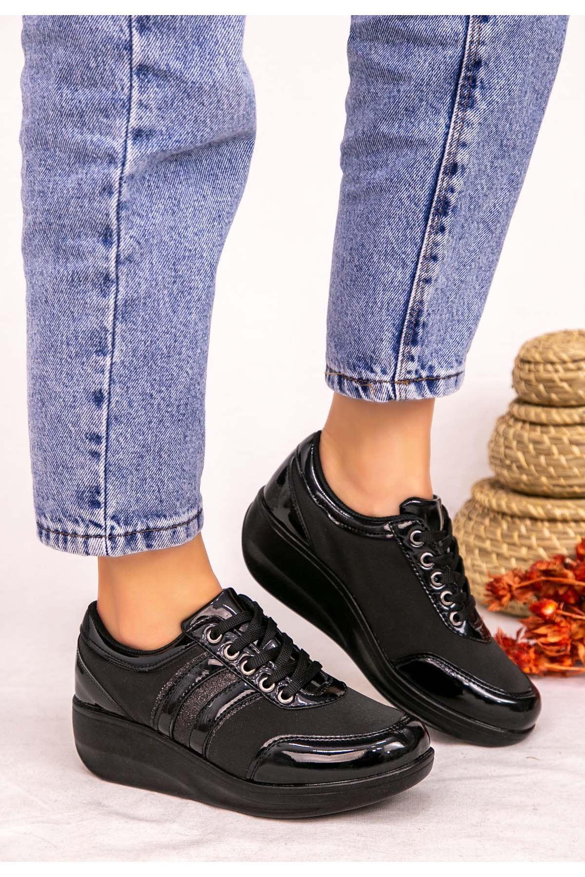 Tinos Siyah Rugan Bağcıklı Spor Ayakkabı