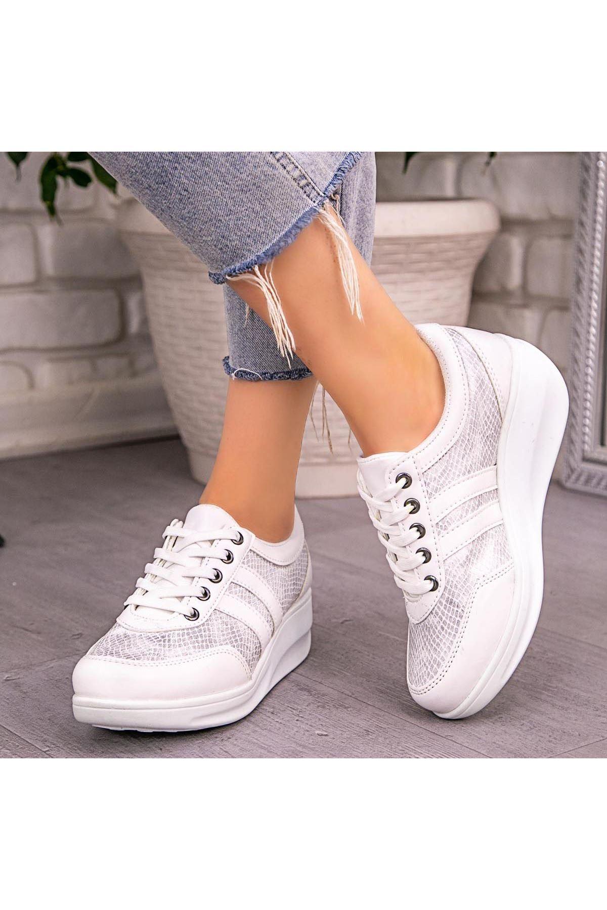 Tinos Beyaz Cilt Gri Detaylı Bağcıklı Spor Ayakkabı