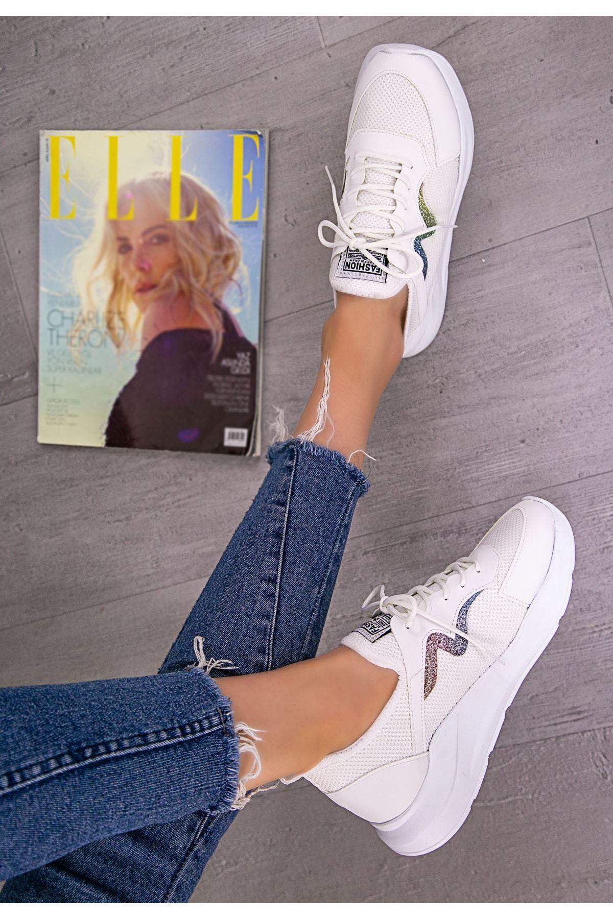 Acri Beyaz Cilt Bağcıklı Spor Ayakkabı