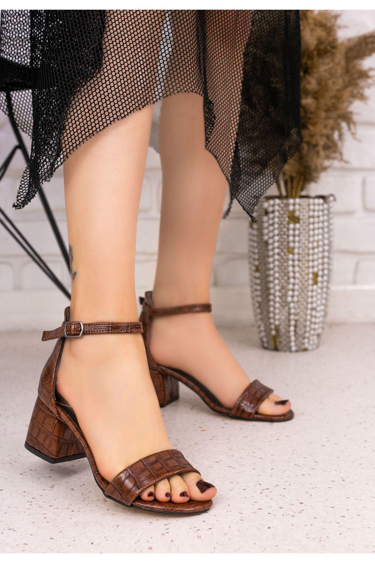 Epon Kahverengi Cilt Desenli Tek Bant Topuklu Ayakkabı