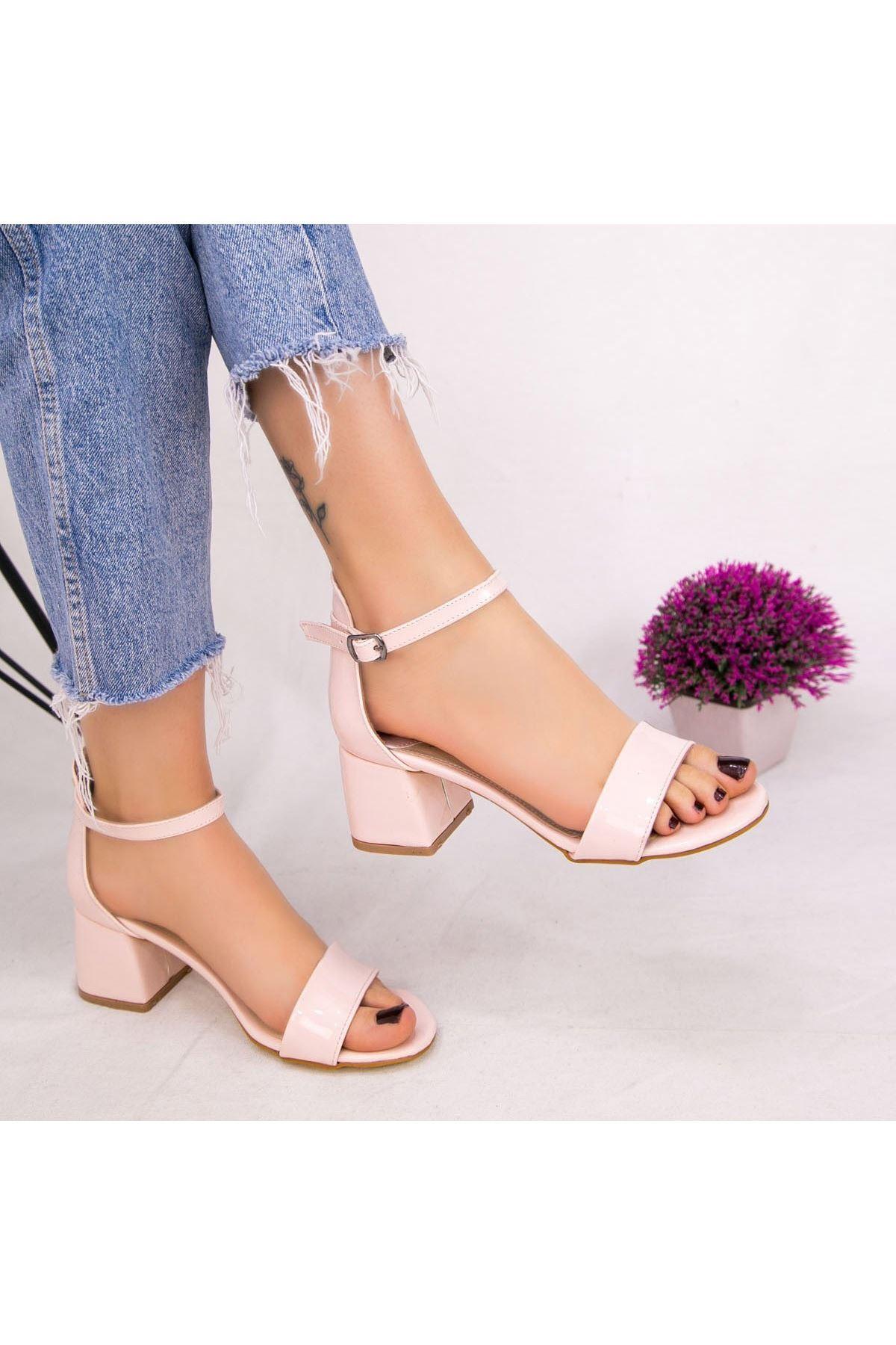 Epon Pudra Rugan Tek Bant Topuklu Ayakkabı