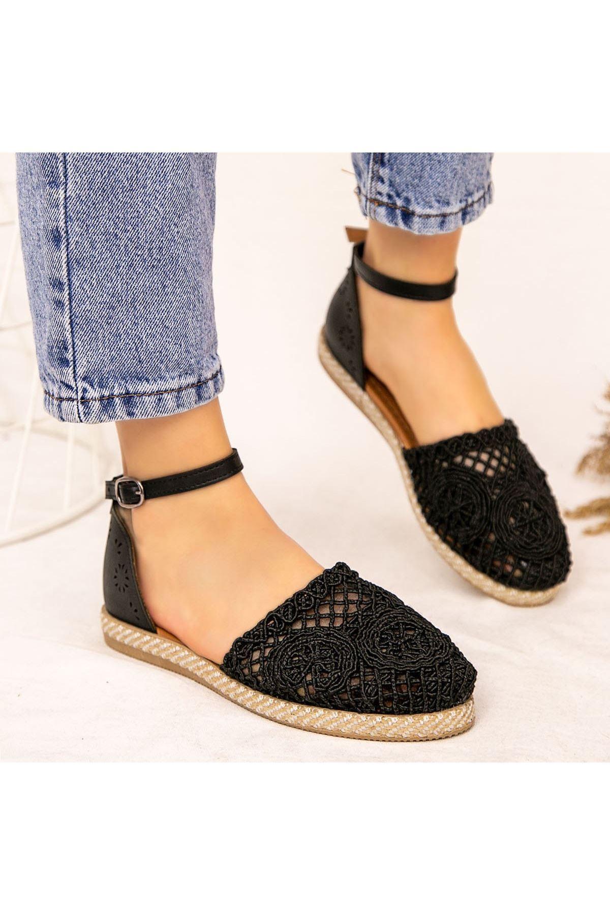 Ecer Siyah Örgülü Sandalet