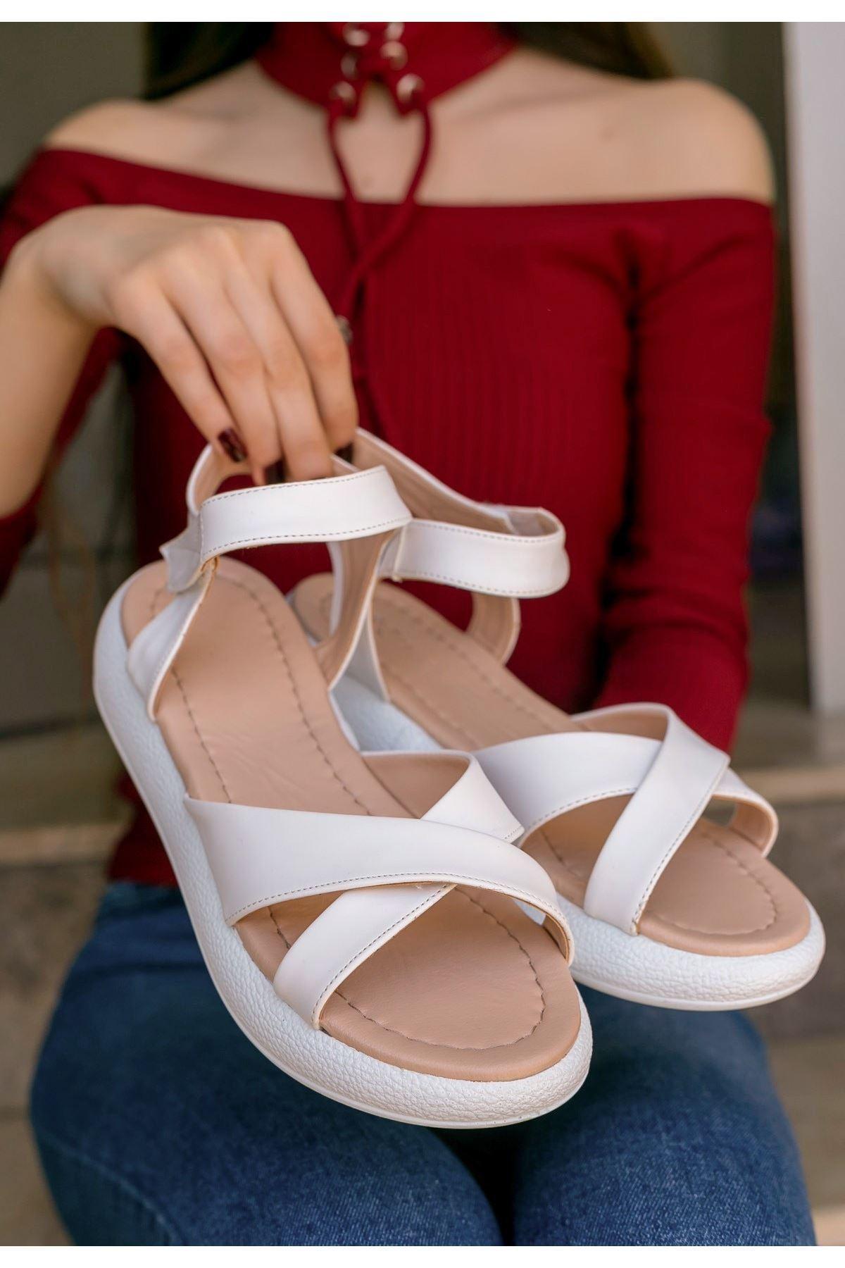 Leahy Beyaz Cilt Sandalet
