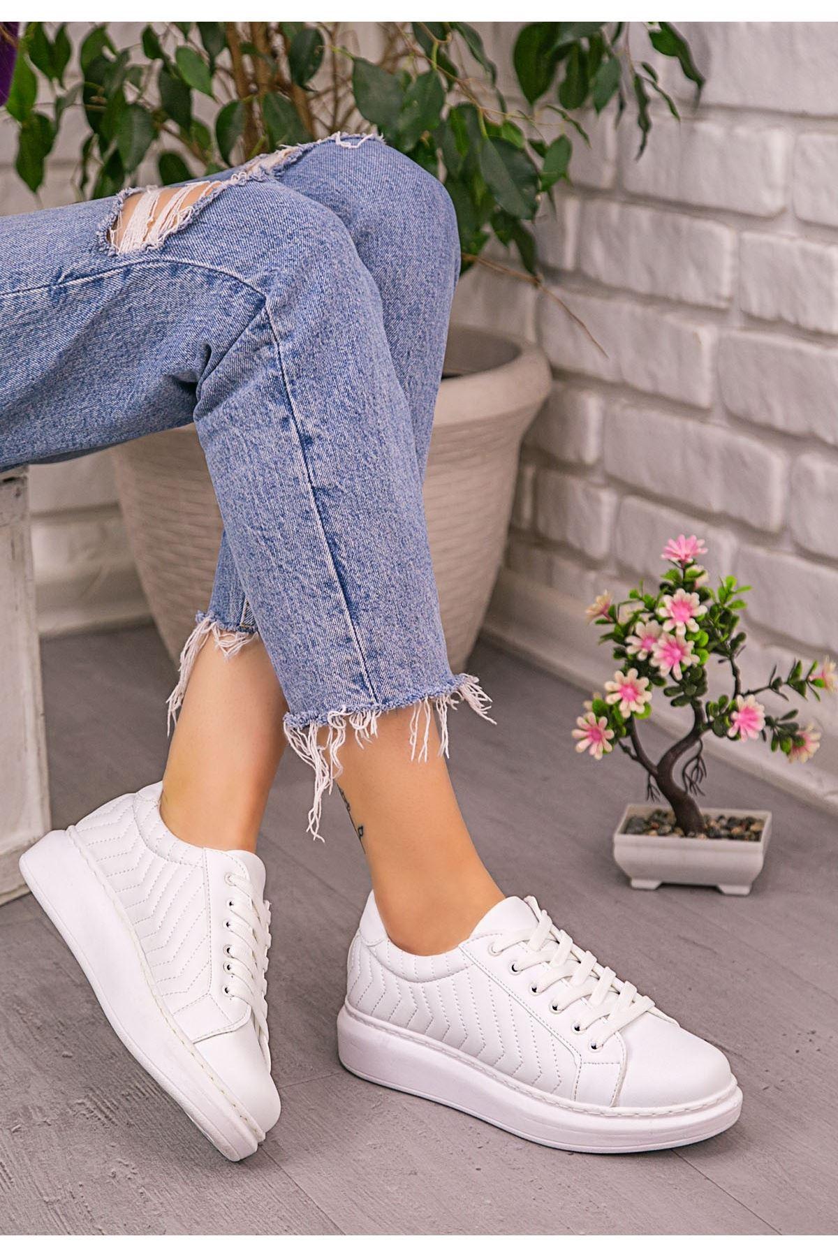 İva Beyaz Cilt Bağcıklı Spor Ayakkabı