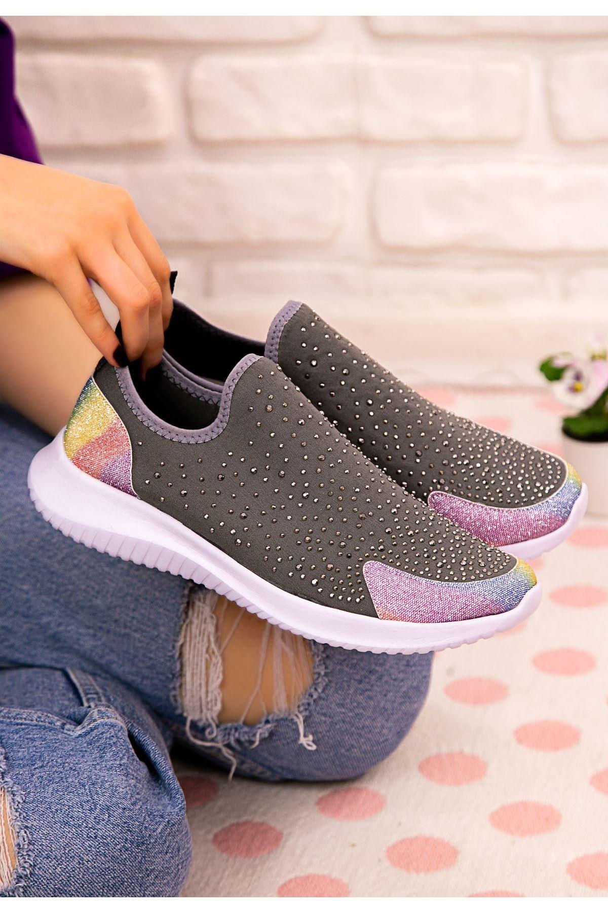 Stin Koyu Gri Boncuk İşlemeli Spor Ayakkabı