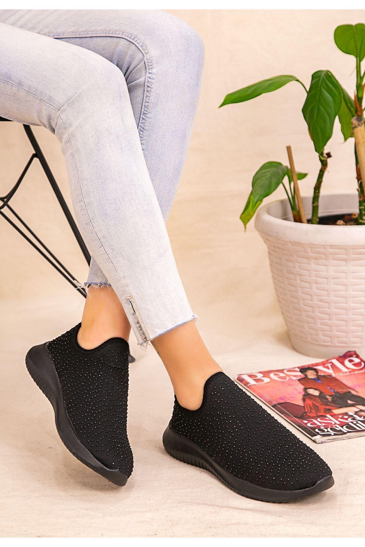 Stin Siyah Boncuk İşlemeli Spor Ayakkabı