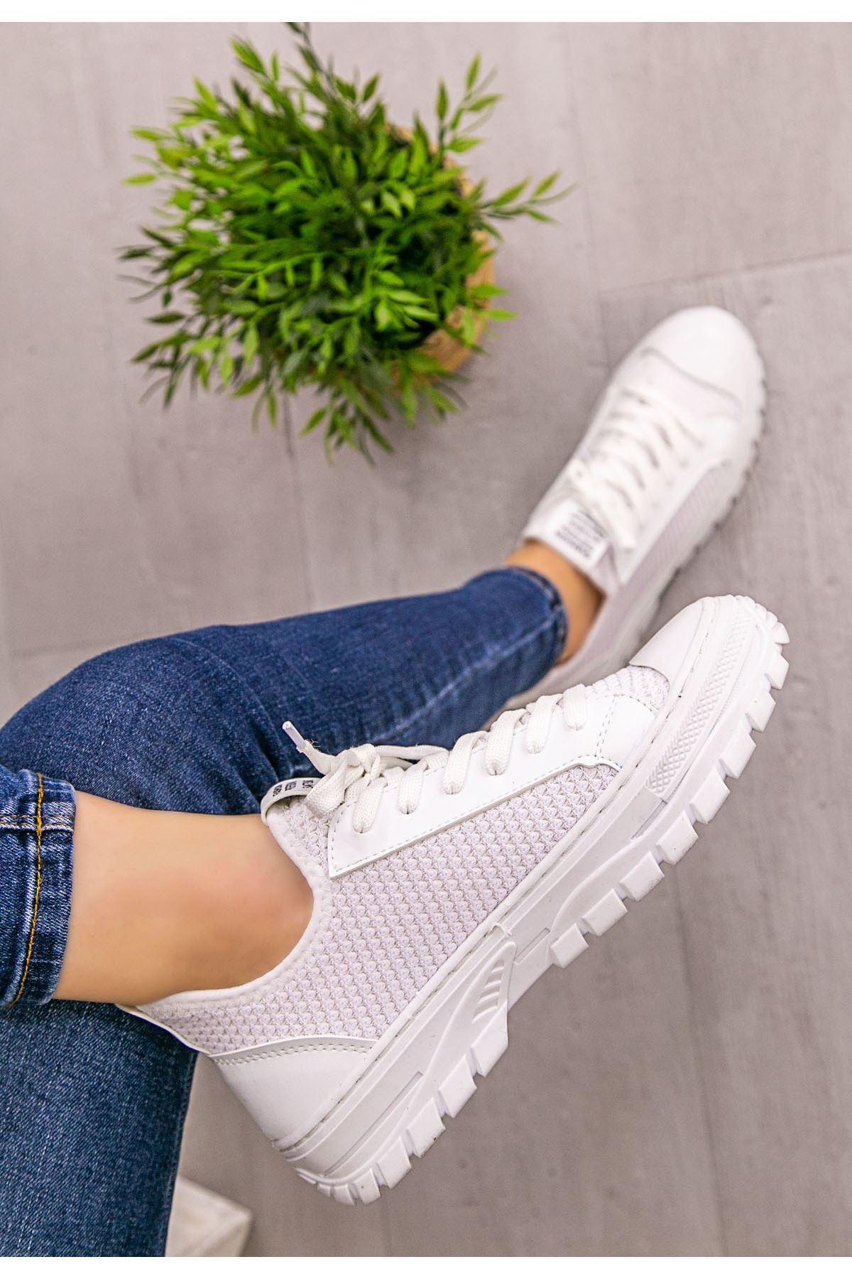 Kami Beyaz Cilt Streç Bağcıklı Spor Ayakkabı