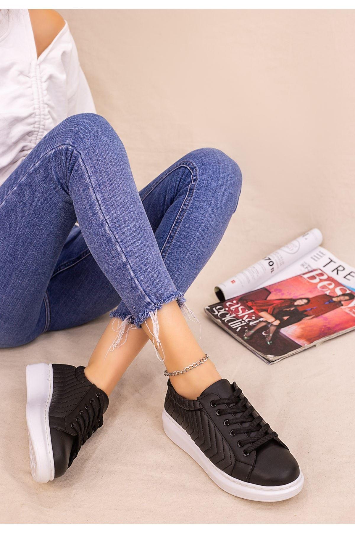 İva Siyah Cilt Beyaz Tabanlı Bağcıklı Spor Ayakkabı
