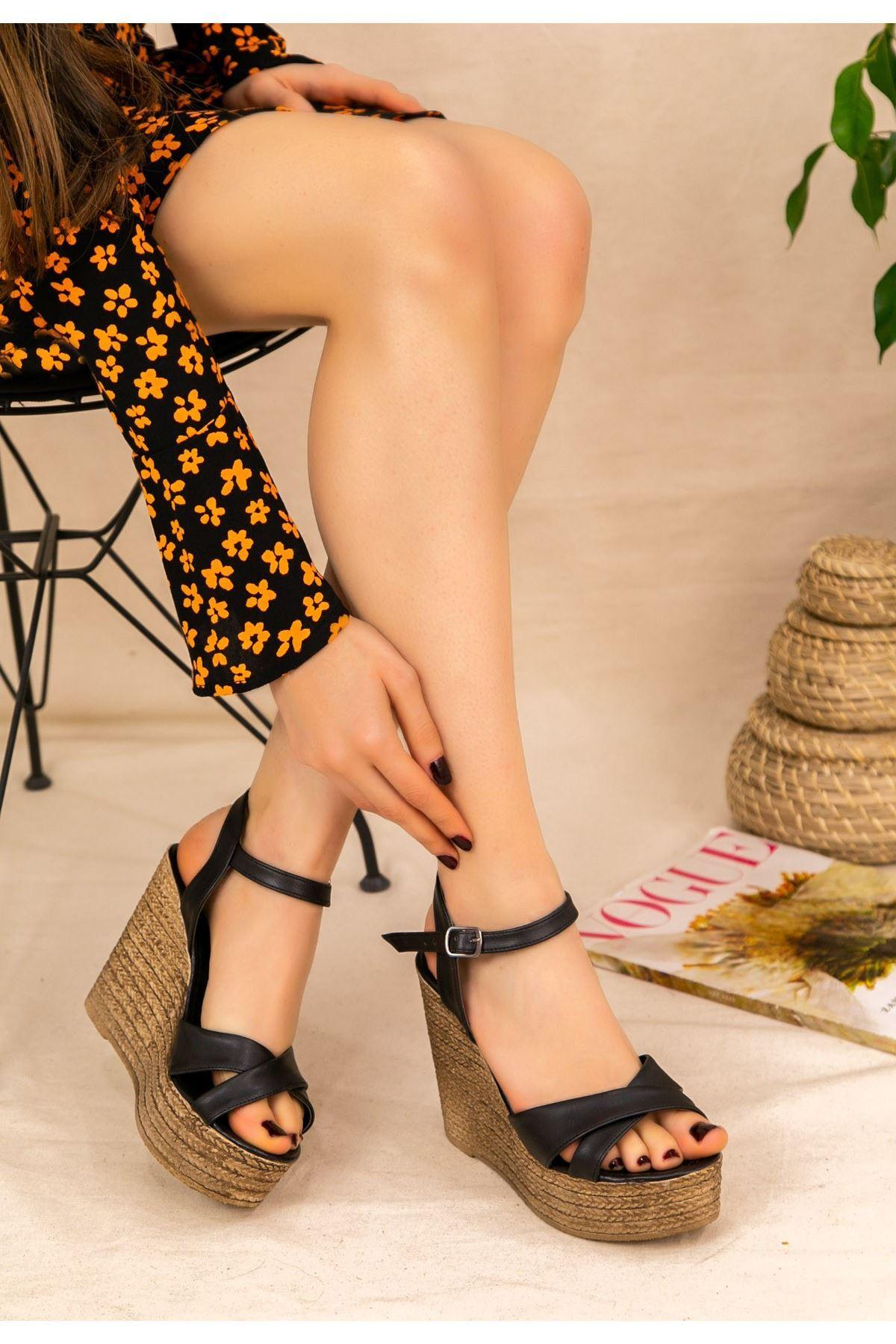 Babin Siyah Cilt Dolgu Topuk Sandalet