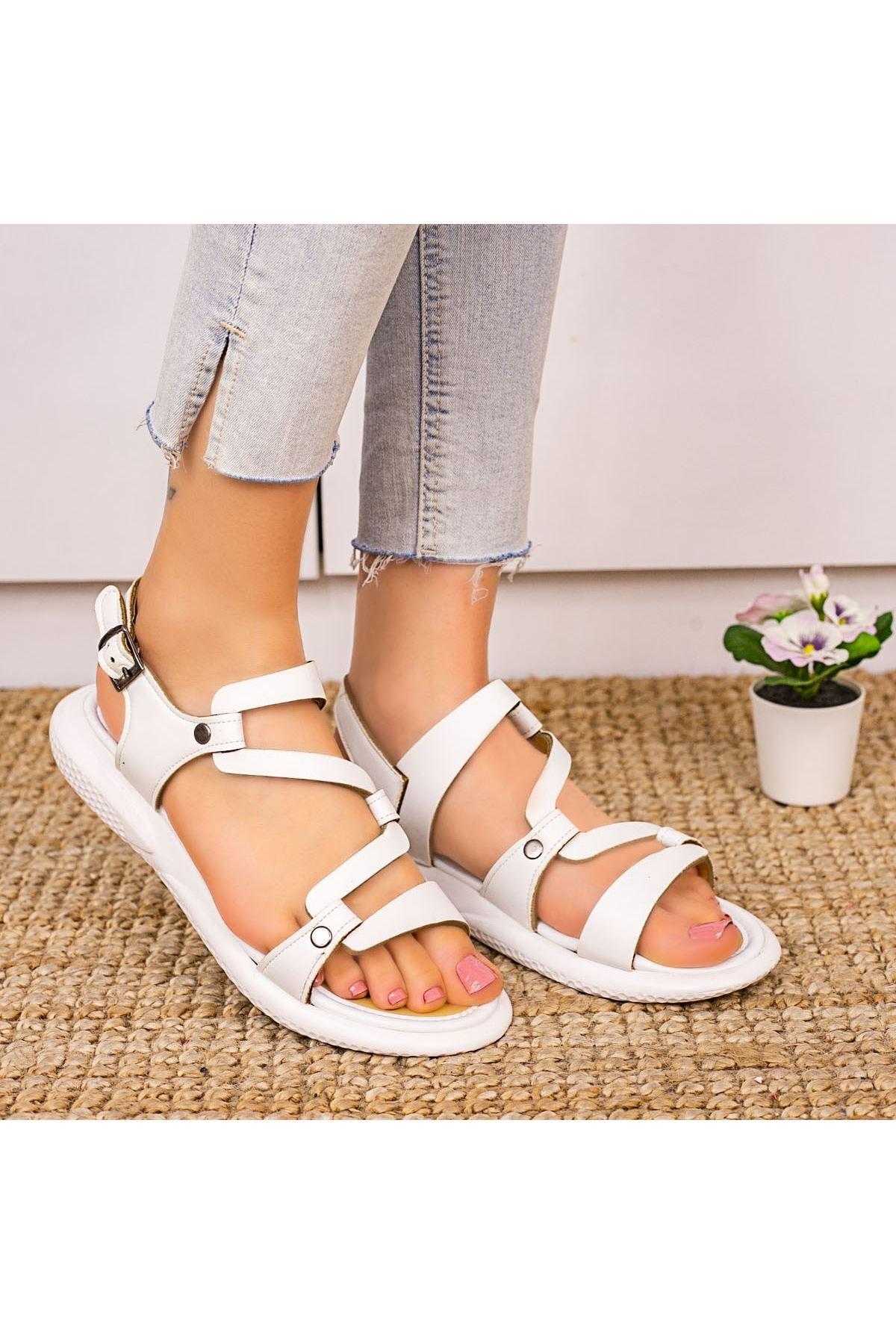 Verus Beyaz Cilt Kemerli Sandalet